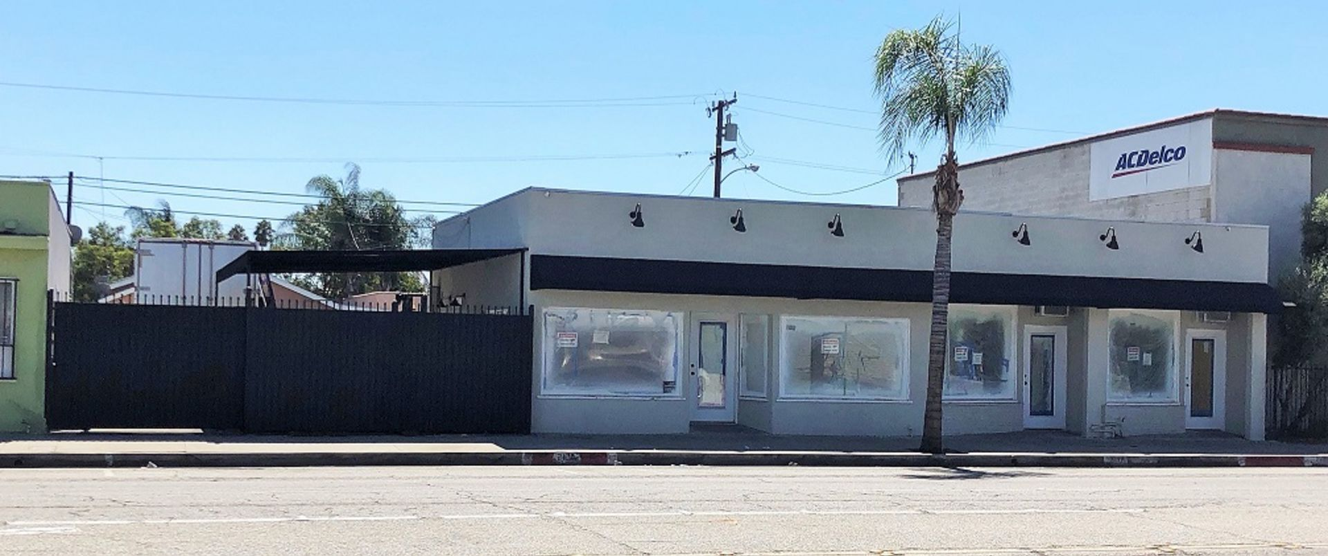 Remodeled Retail Building in Commerce! THE Perfect Owner/User Opportunity…10 Min from Downtown!