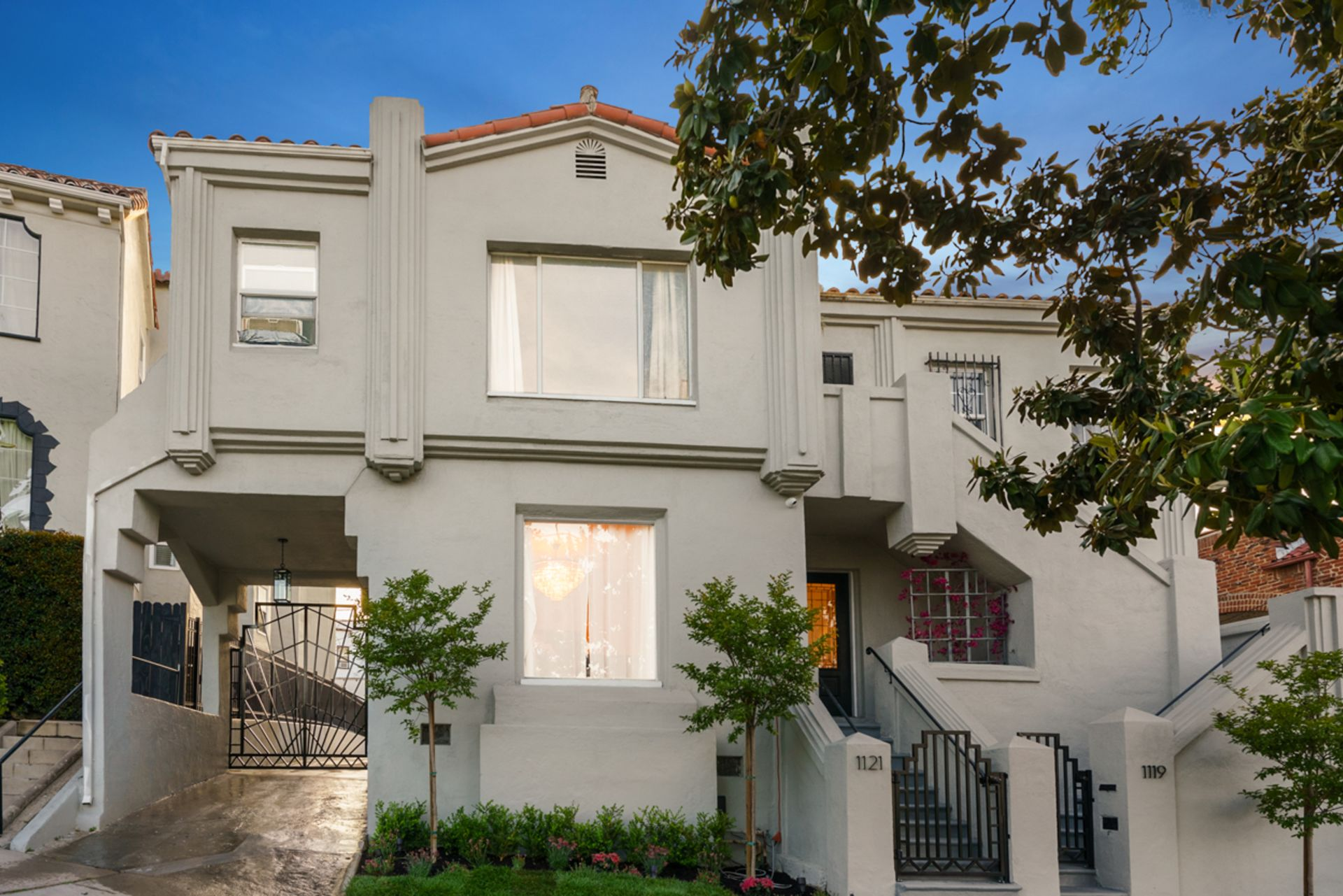 Miracle Mile: Gorgeous Art Deco Spanish Duplex w/ an Enchanting Patio!