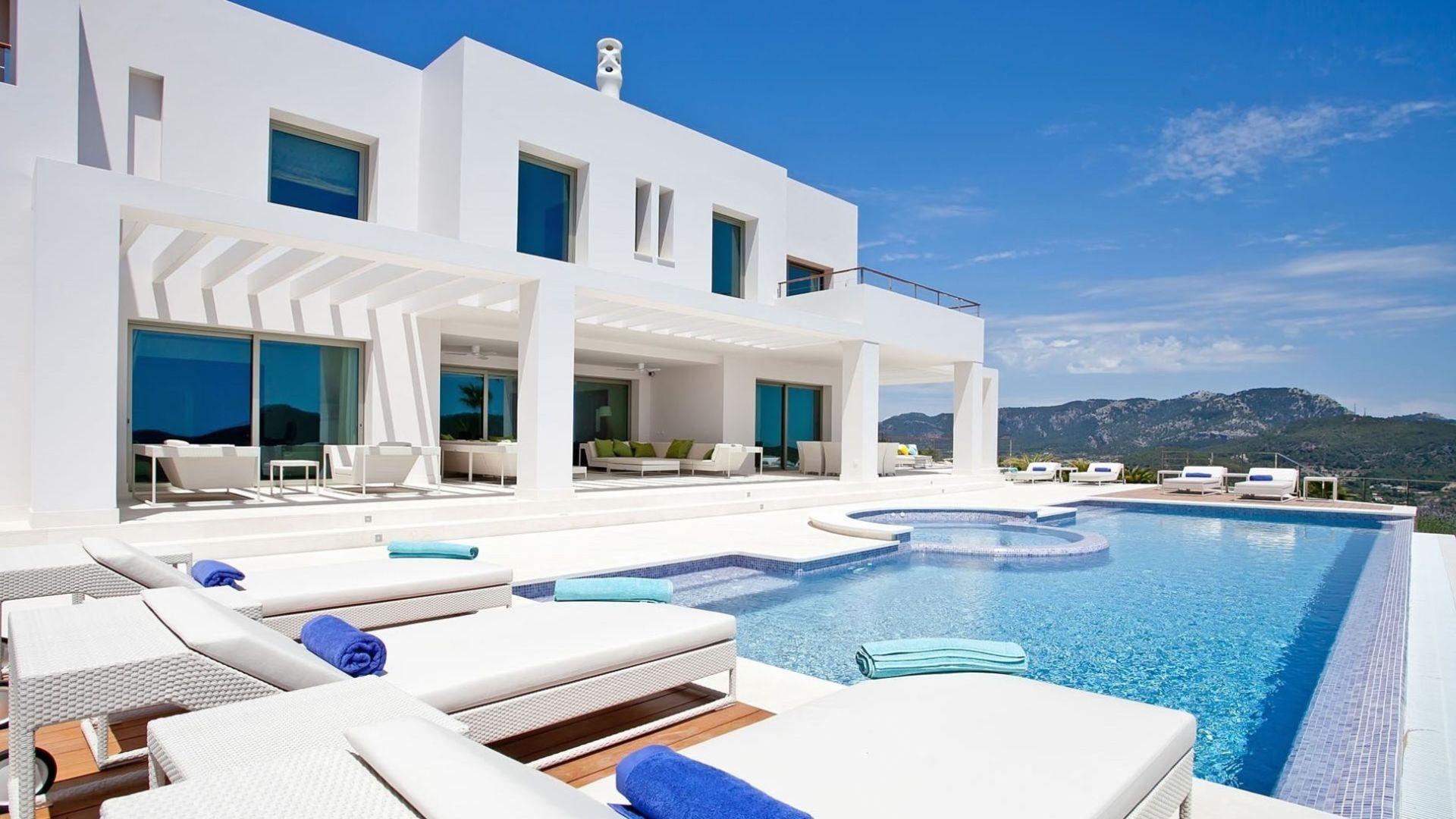 East Bay Luxury