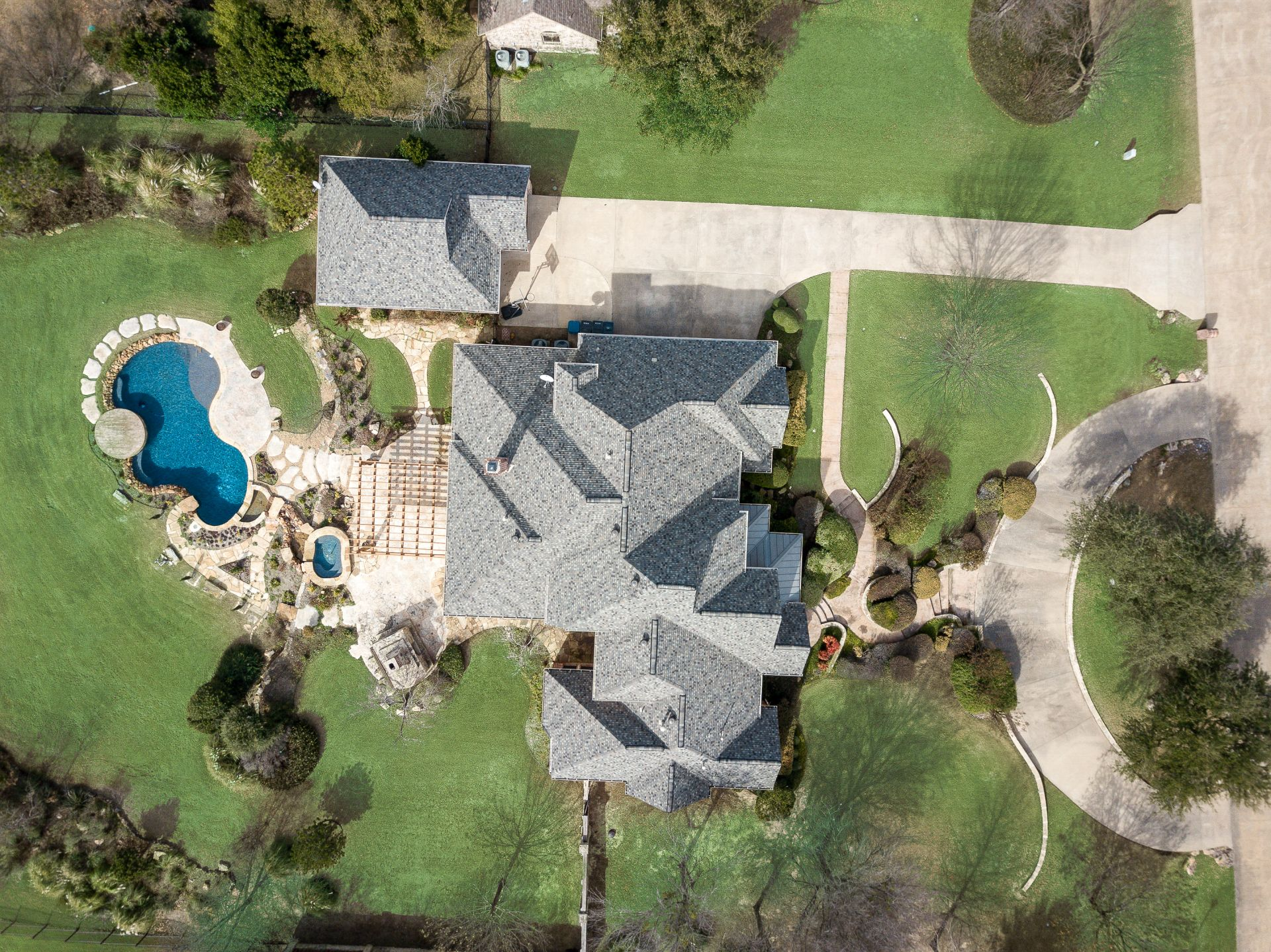 JUST LISTED! 166 Ridge Point Dr. In The Ridge