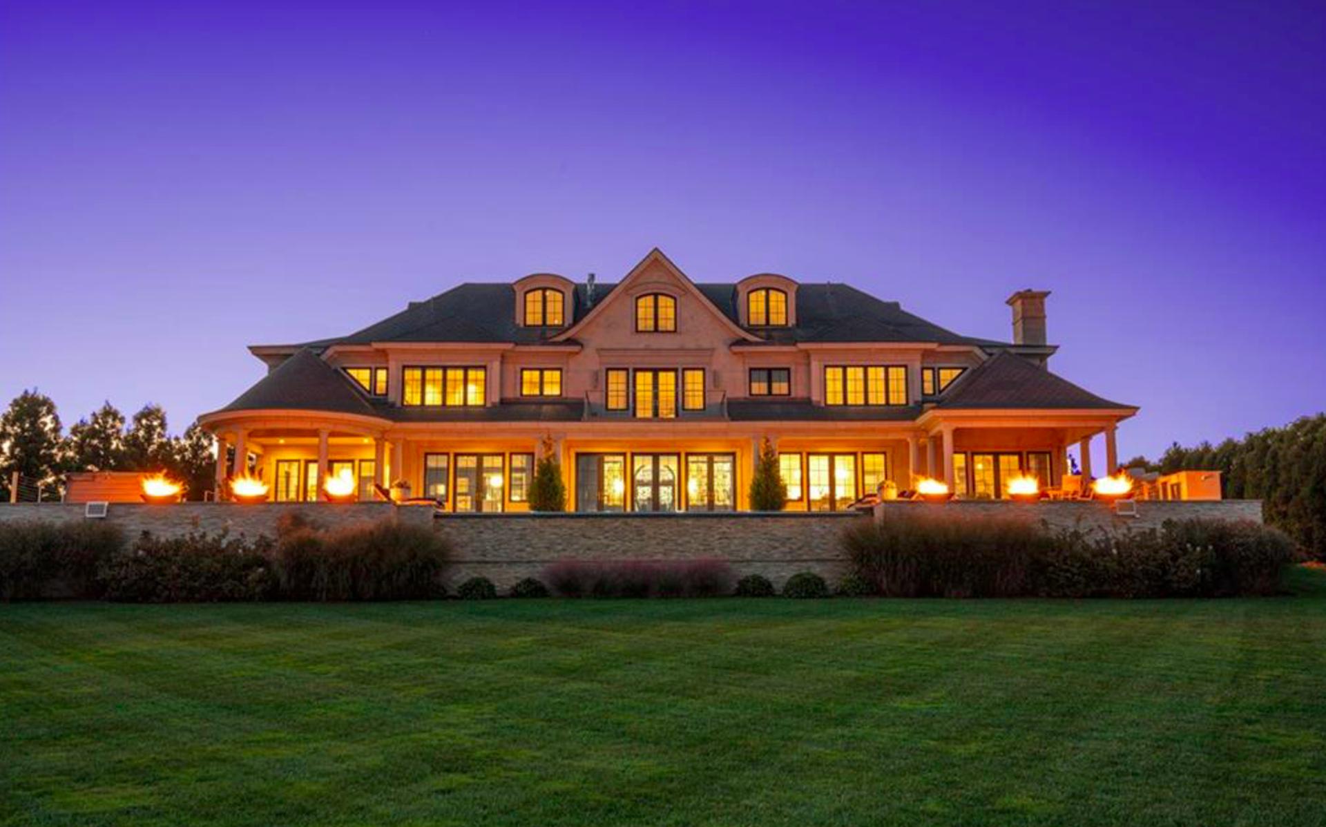 House Crush of the Week: 518 Ocean Road, Narragansett
