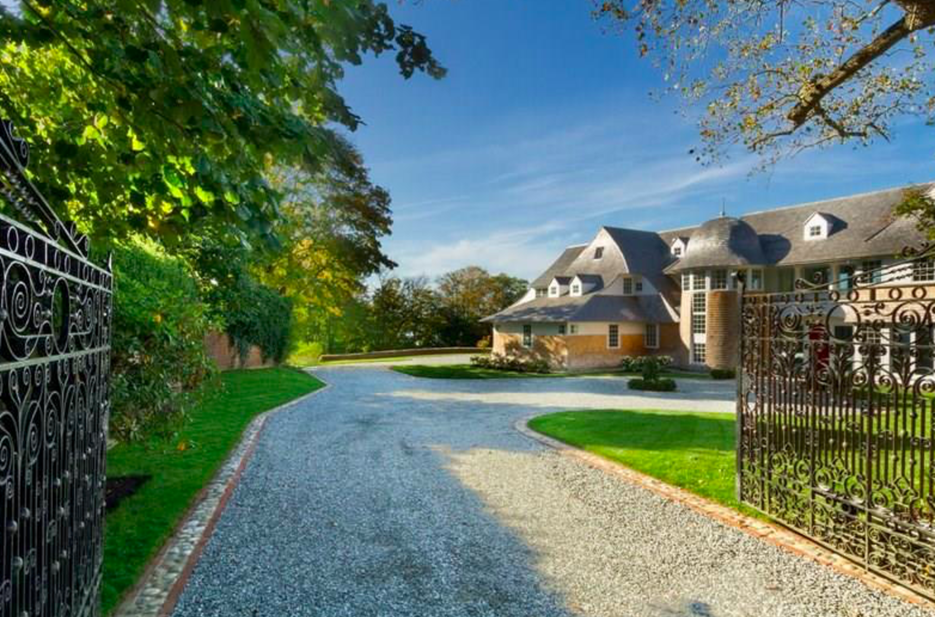 House Crush of the Week: 21 Chastellux in Newport