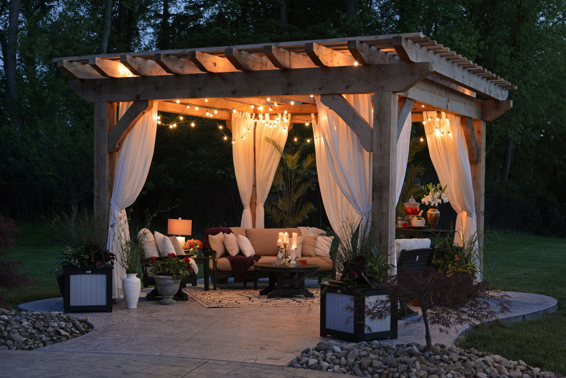 5 Creative Ways to Transform Your Outdoor Space