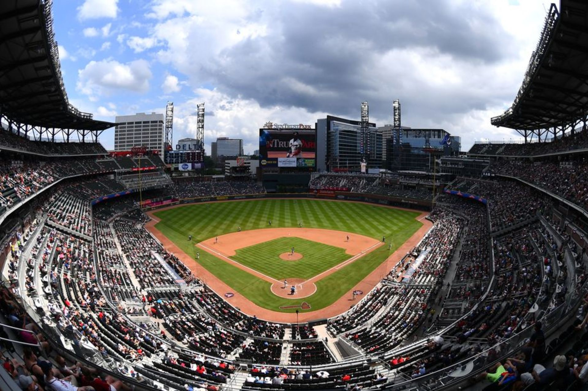 With the Braves in first place, here's what to know about summer at SunTrust Park