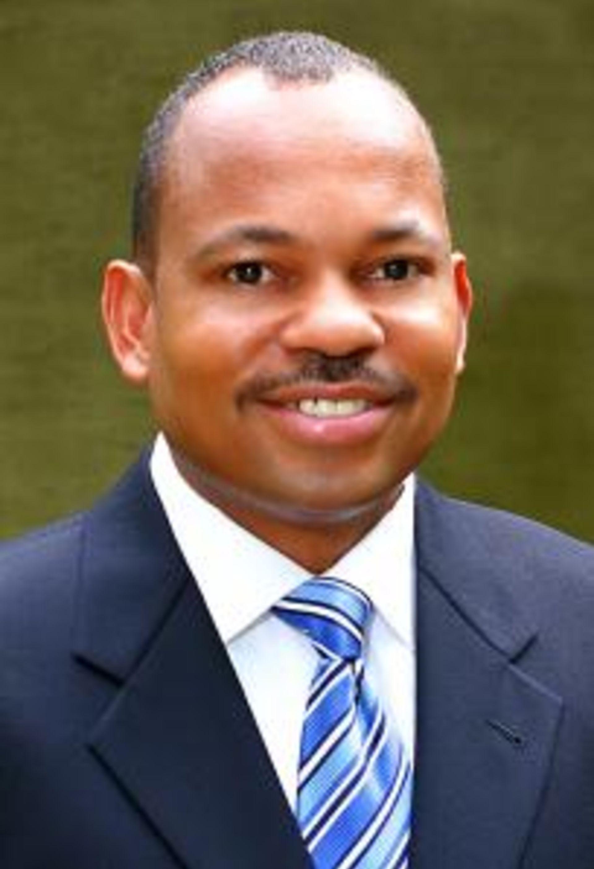 Dennis Barnes