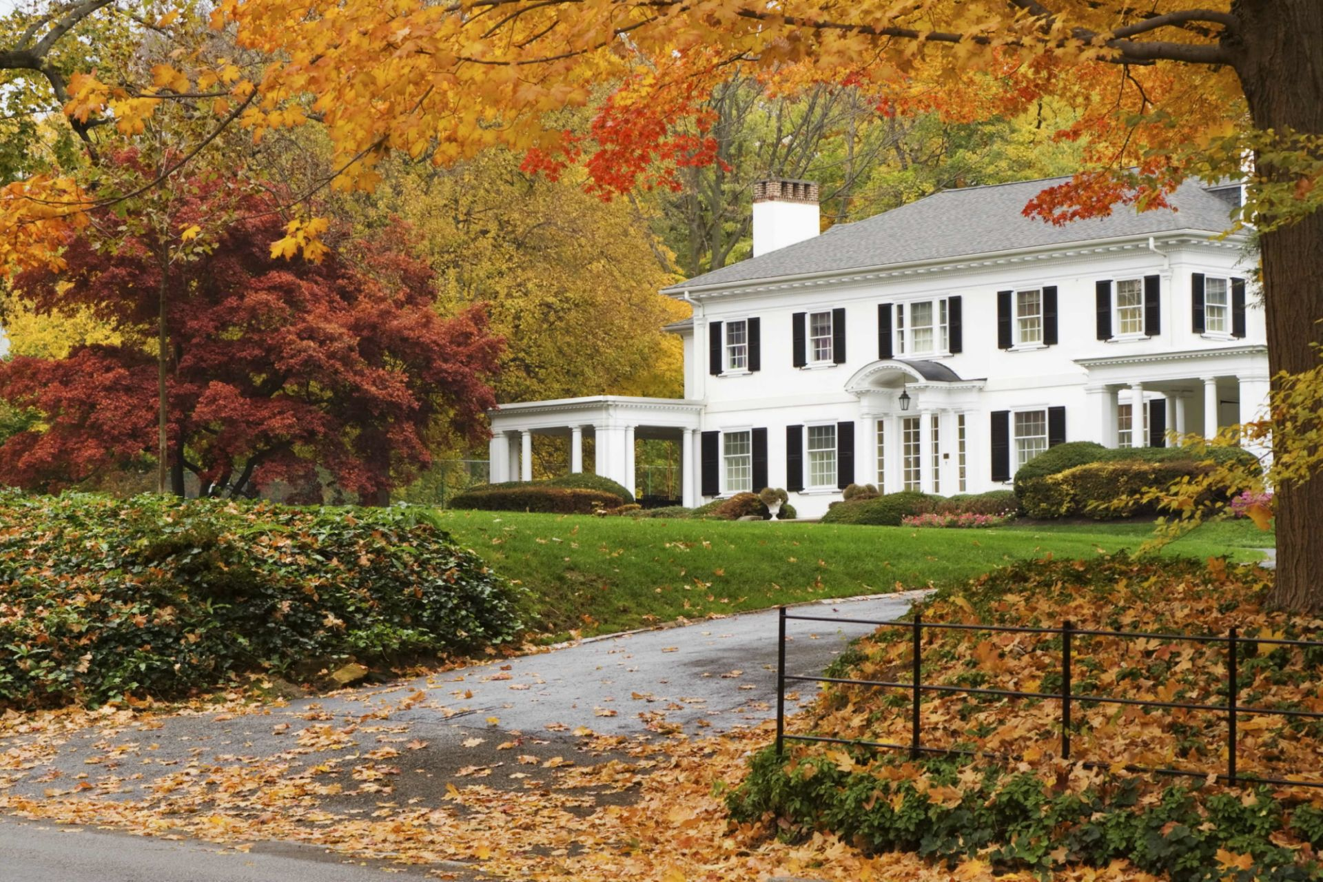 Tips for Selling A House During the Autumn Season