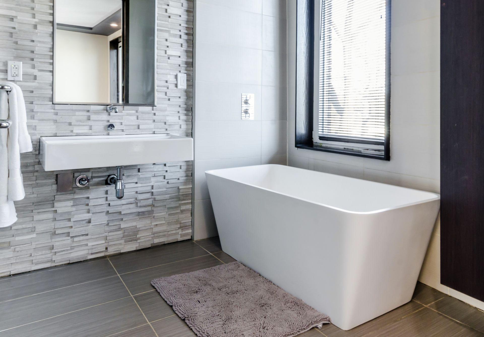Free Standing Bath Tub