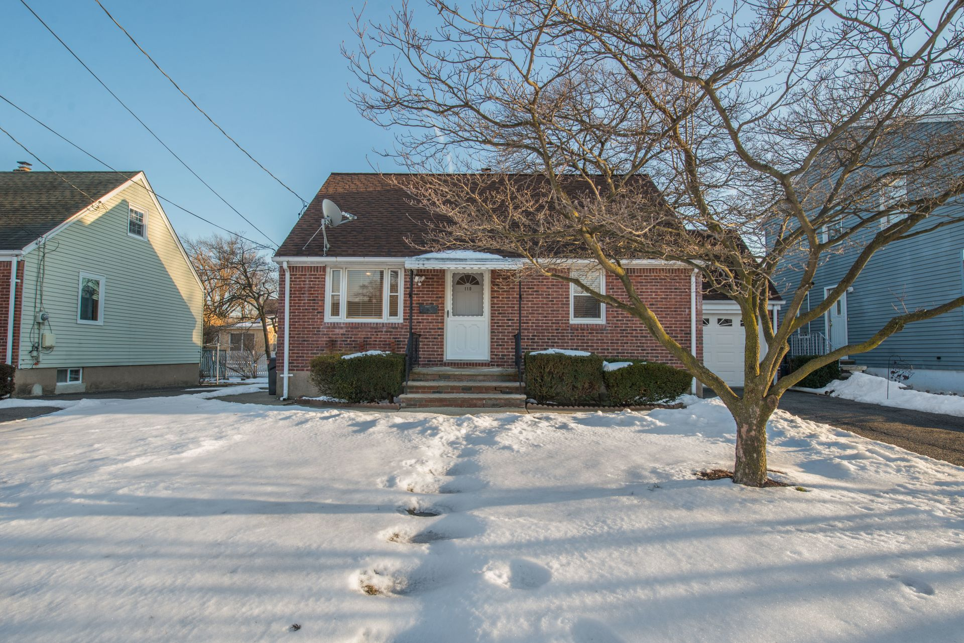 Updated 3 Bedroom Cape Cod for Sale in Elmwood Park
