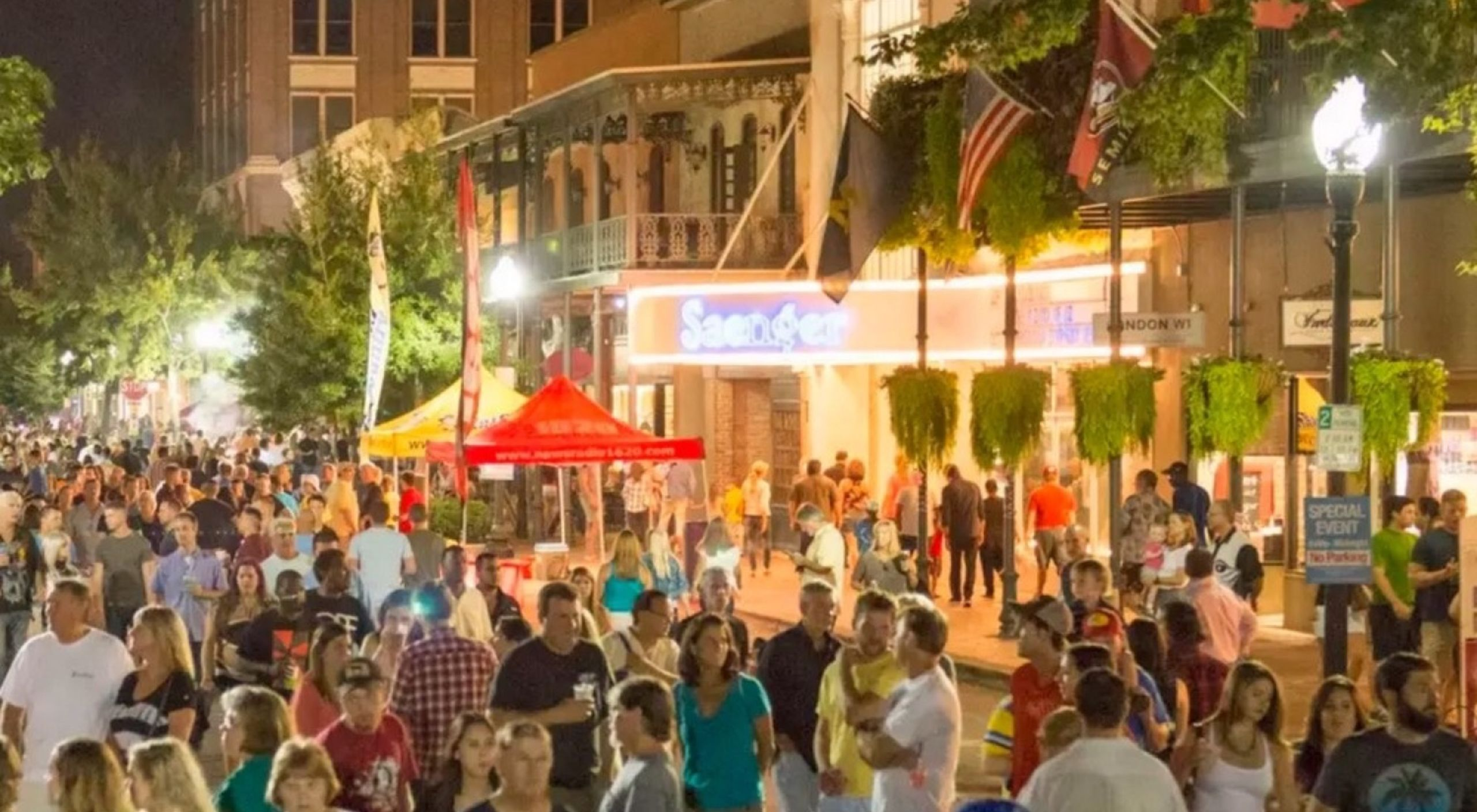 enjoy gallery night in downtown pensacola
