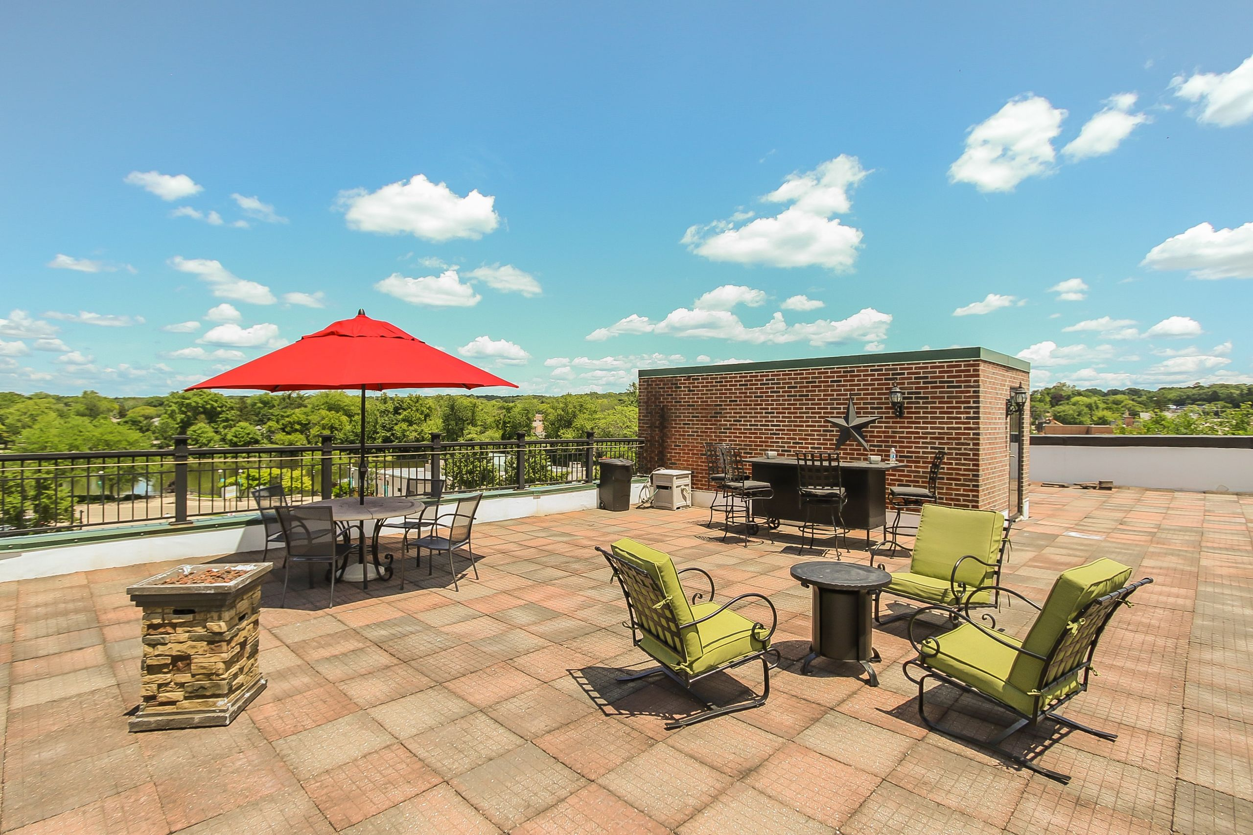 Roof Top Deck in Downtown West Dundee! 110 N. 2nd St. #2