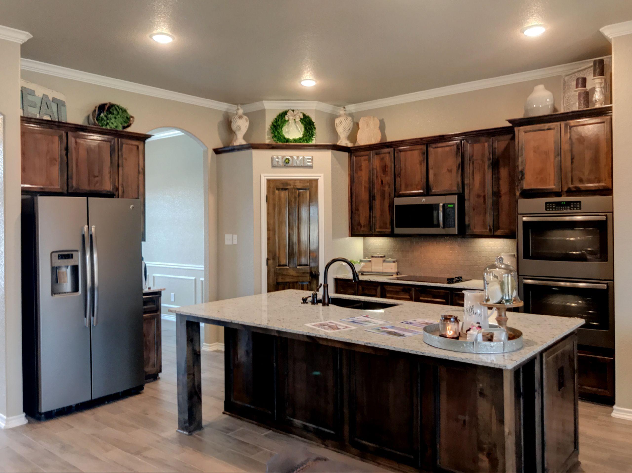Texas-Sized Kitchens