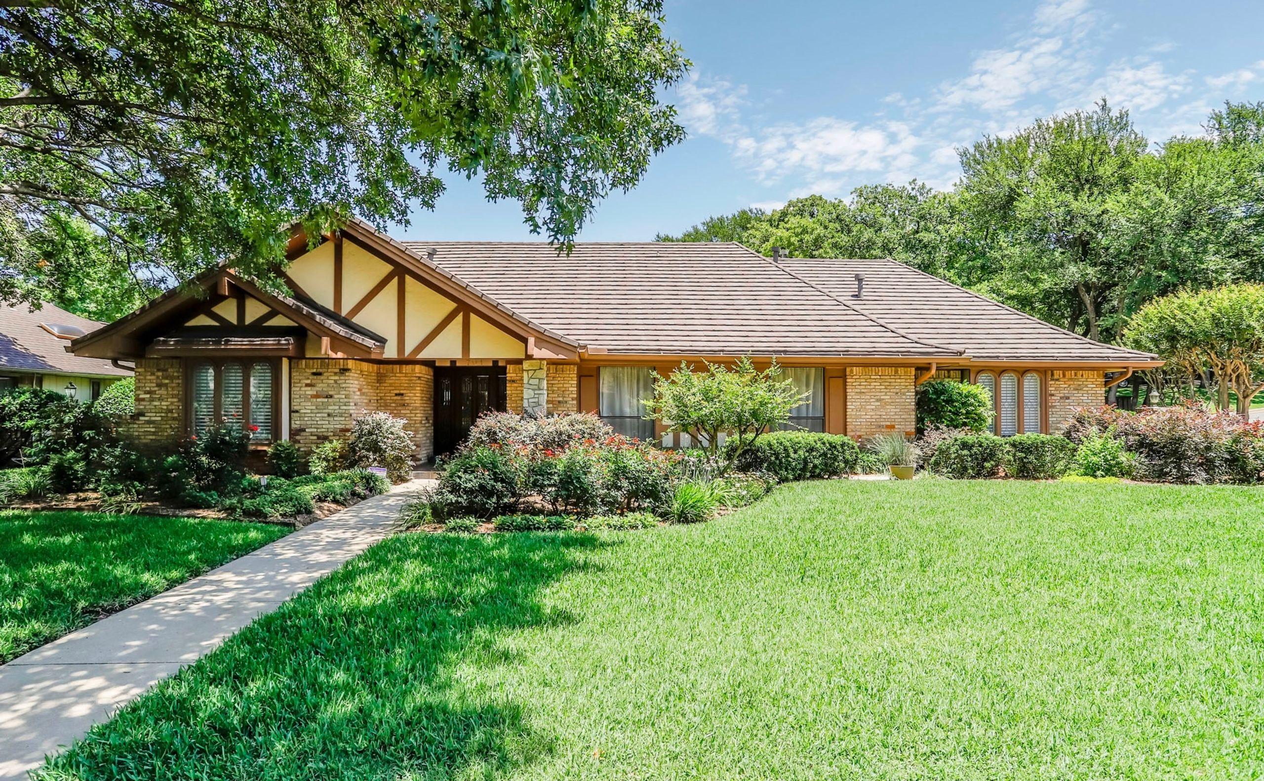 701 Loch Lomond Drive Arlington, Texas 76012