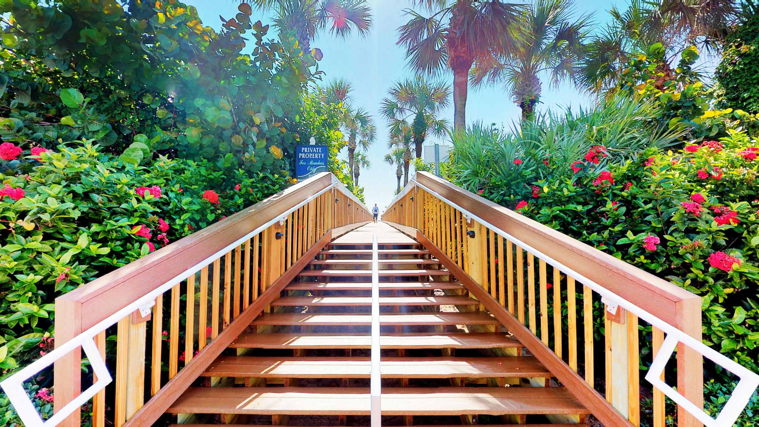 Follow me to the Beach!