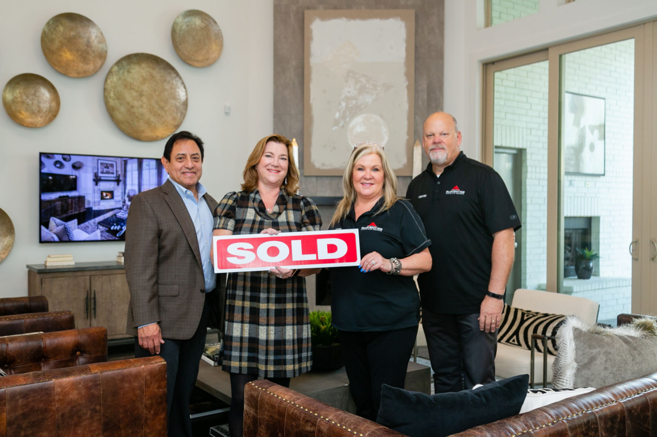 When you choose the Dillard Realty Team...You choose SOLD!,