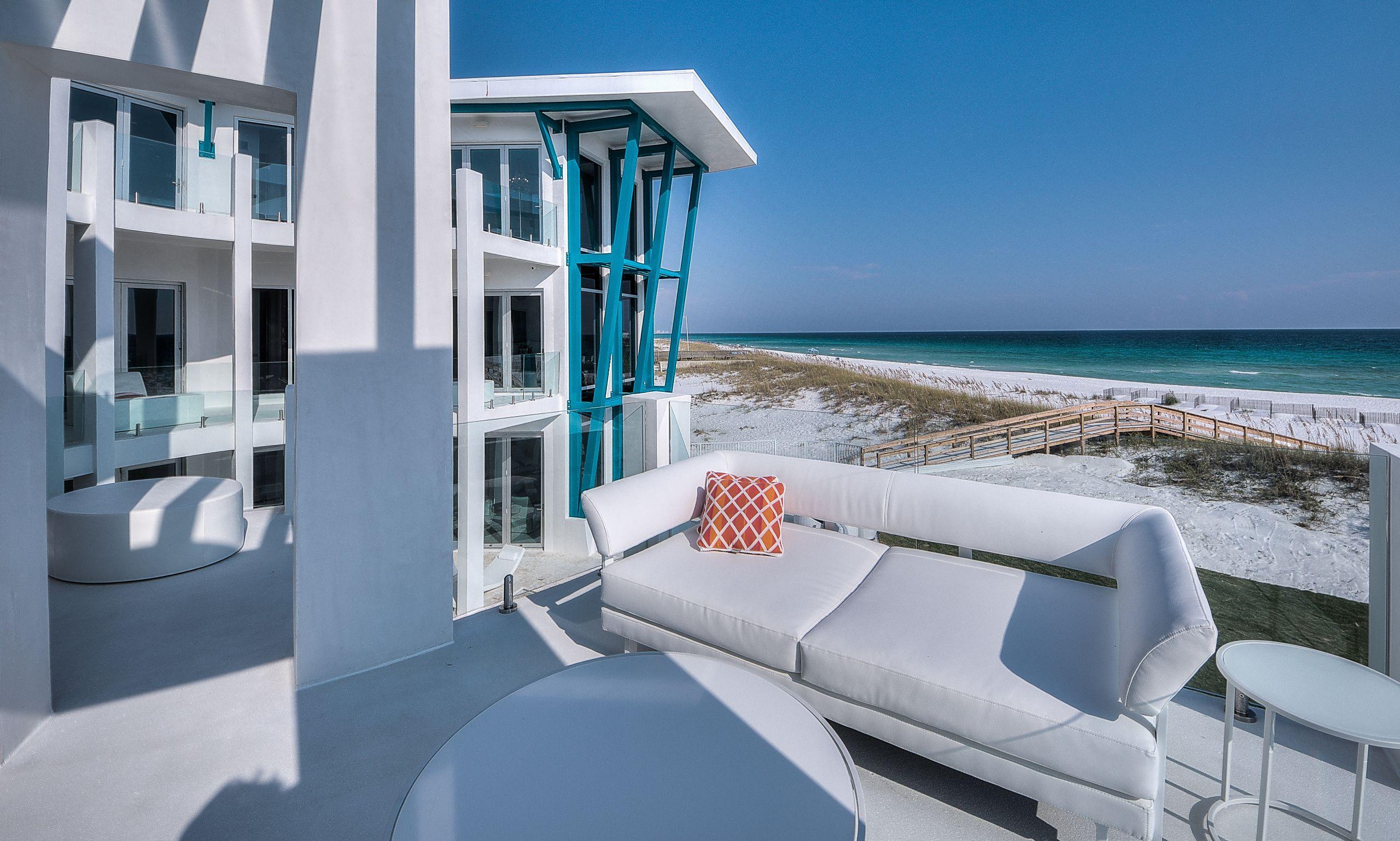 Sold | 618 Gulf Shore Drive | 6,520,000