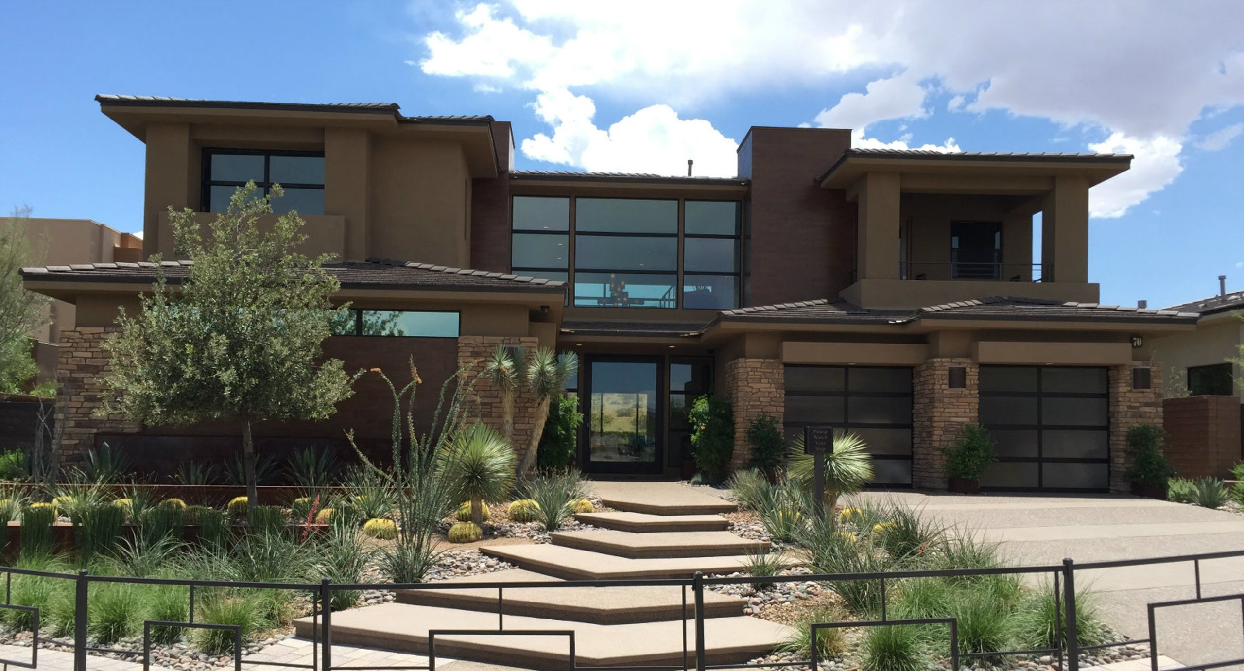 Luxury Living, Modern Design