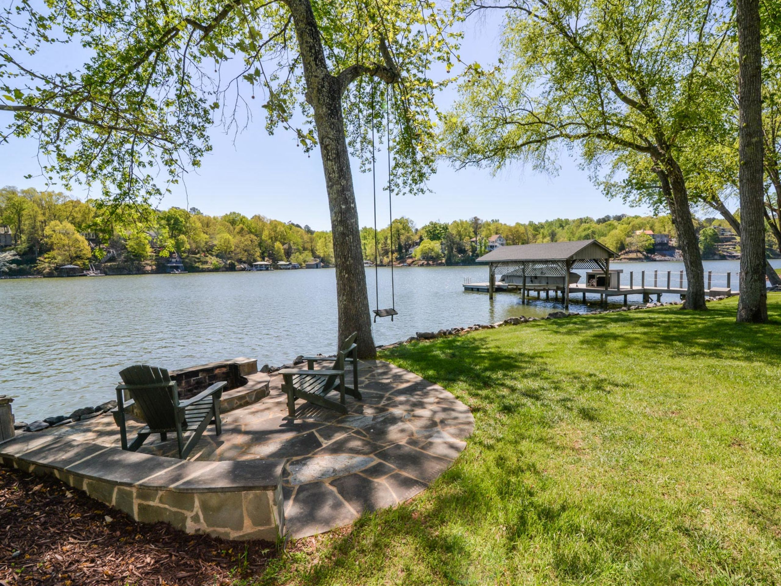 Gorgeous waterfront home on Lake Wylie!