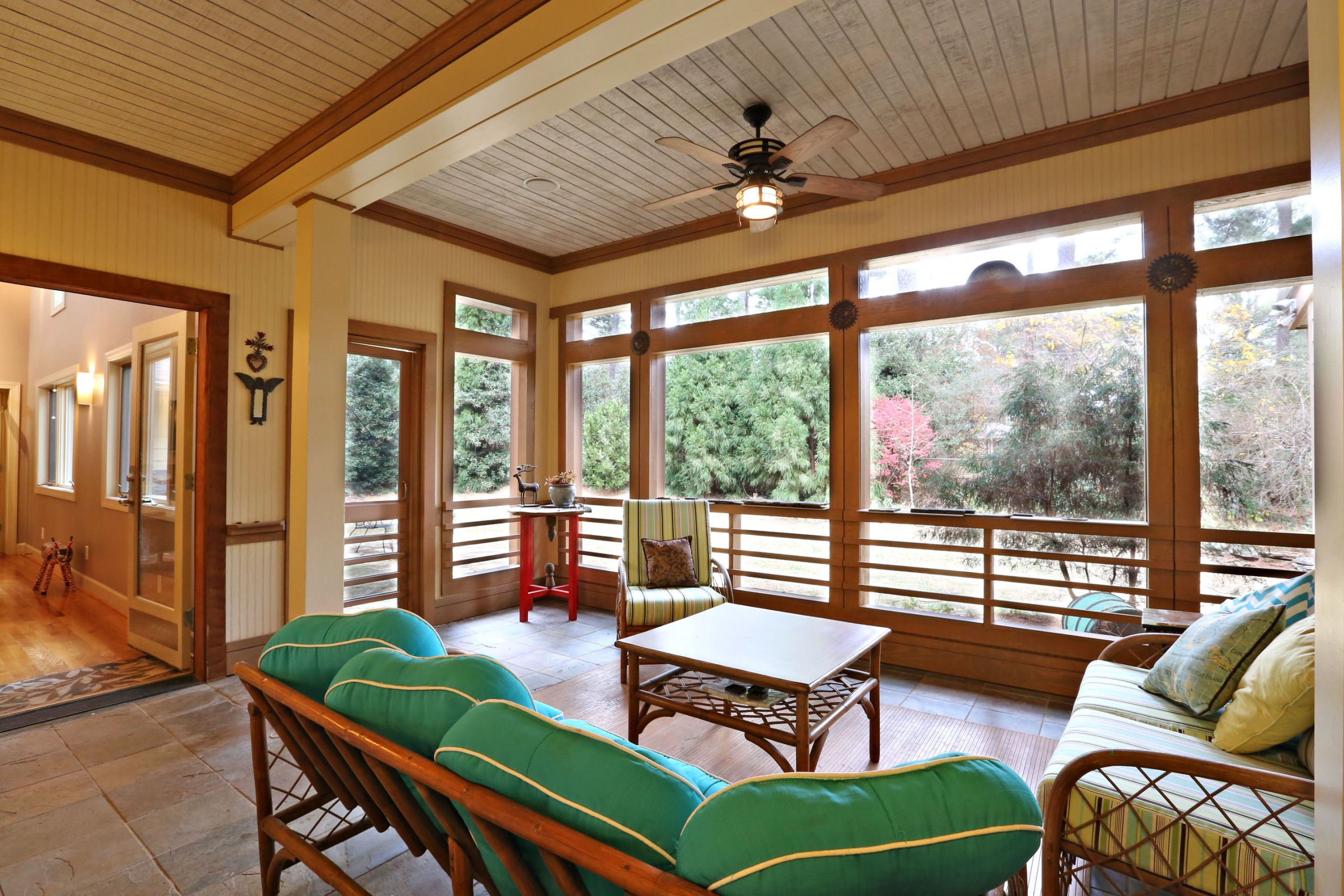 Sit back & Relax in this Screened Porch