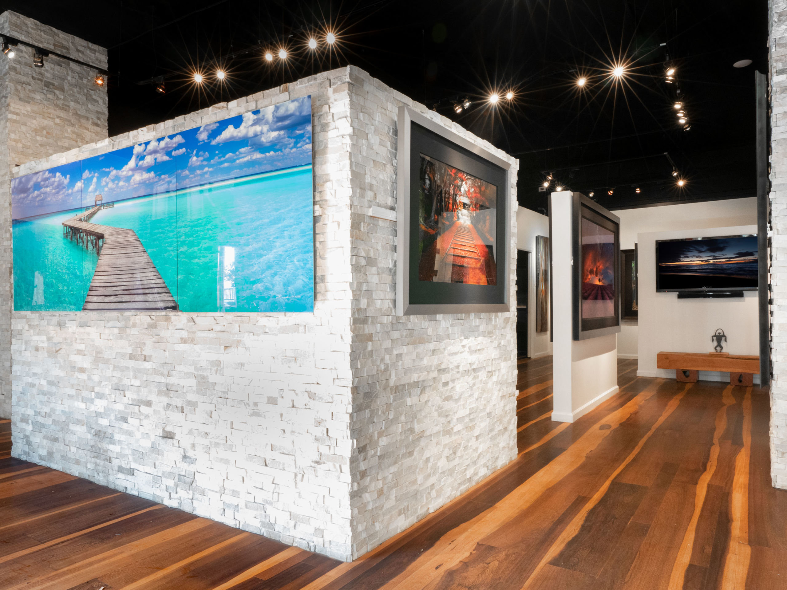 712 Front Street Art Gallery for Sale