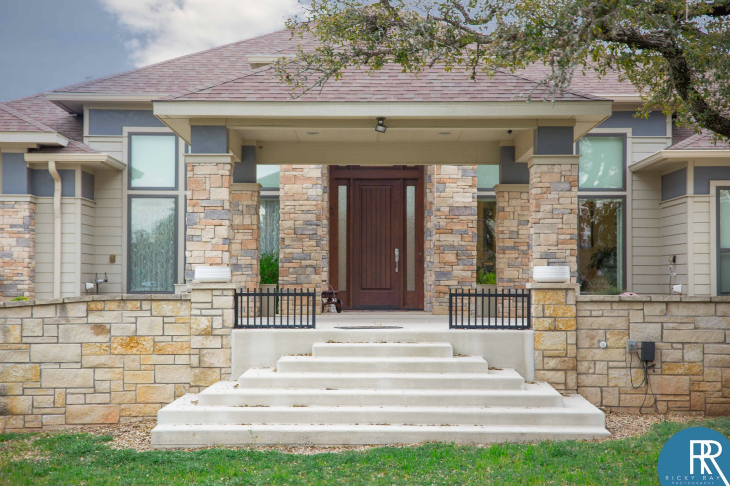3414 Cottage St