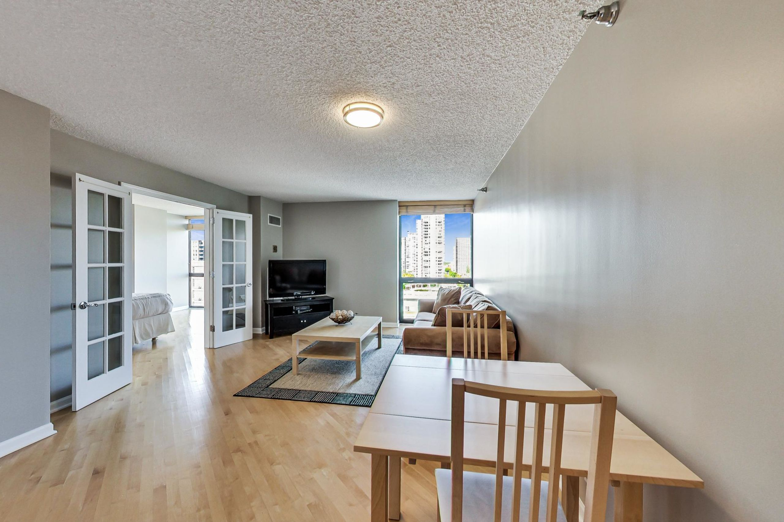 Click Photo For Tour - 1122 N. Clark #1405