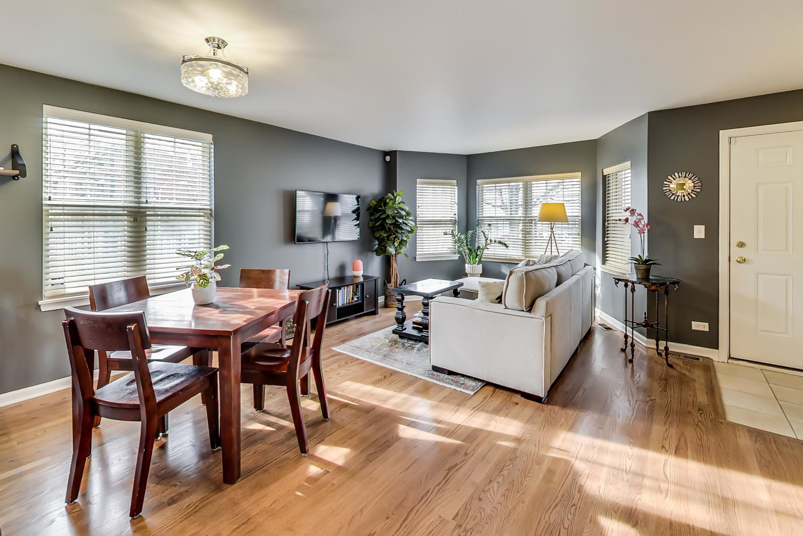 Click Photo For 3D Tour - 1101 N. Crosby #A