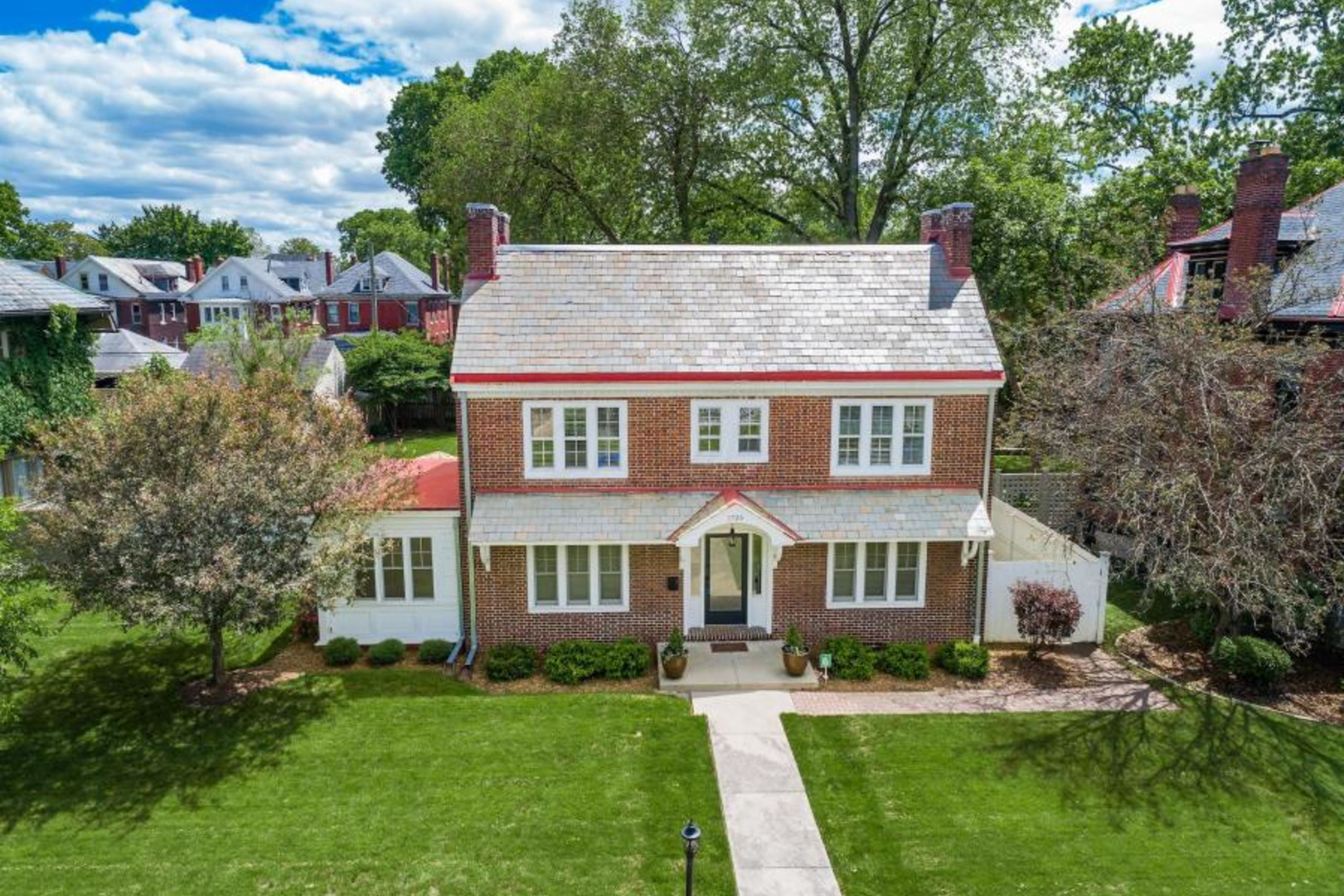 SOLD in Franklin Park - LIST with Al!