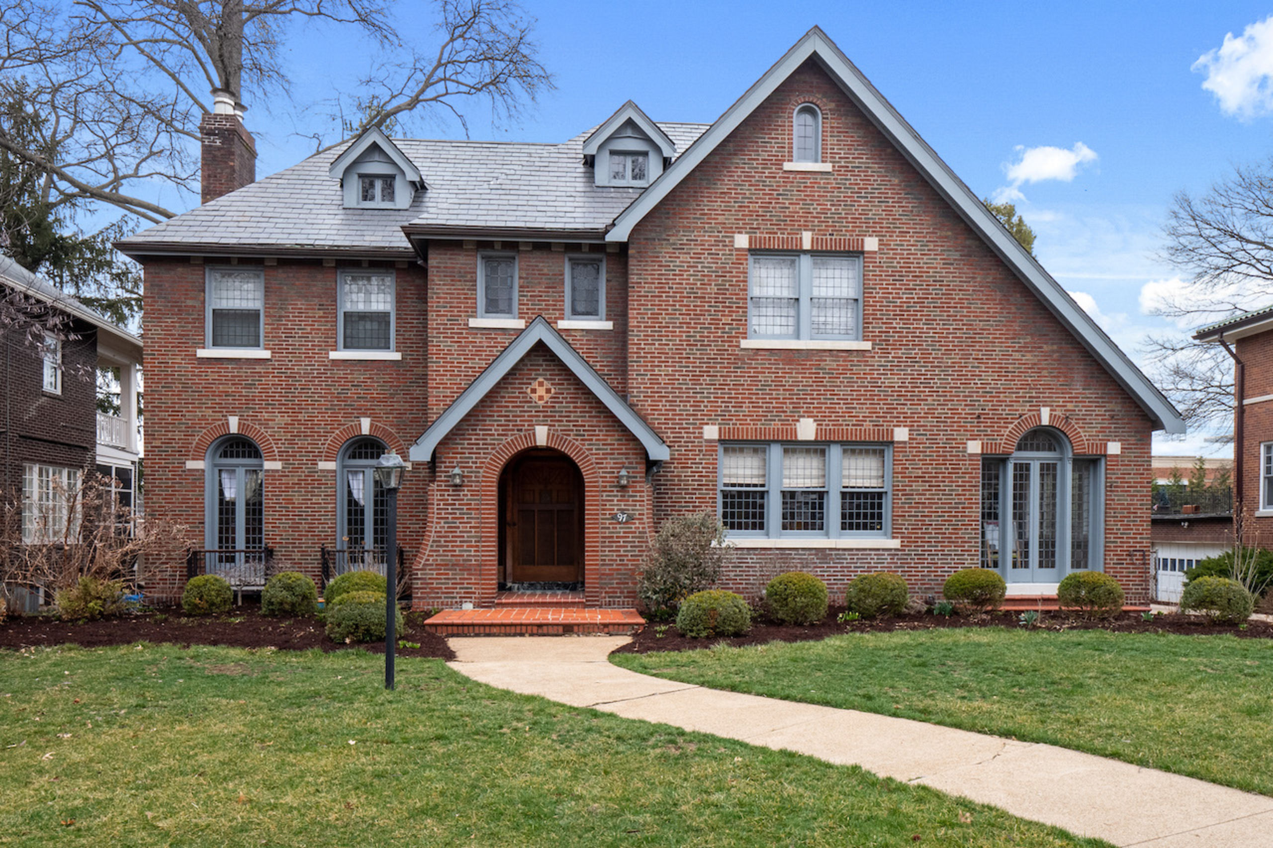 97 Aberdeen Place | Clayton, Missouri 63105