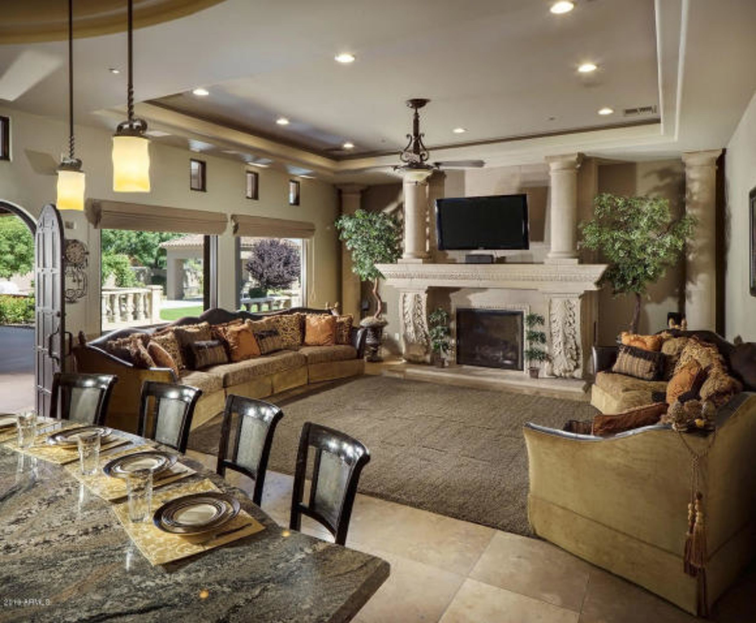 Entertaining Family Room