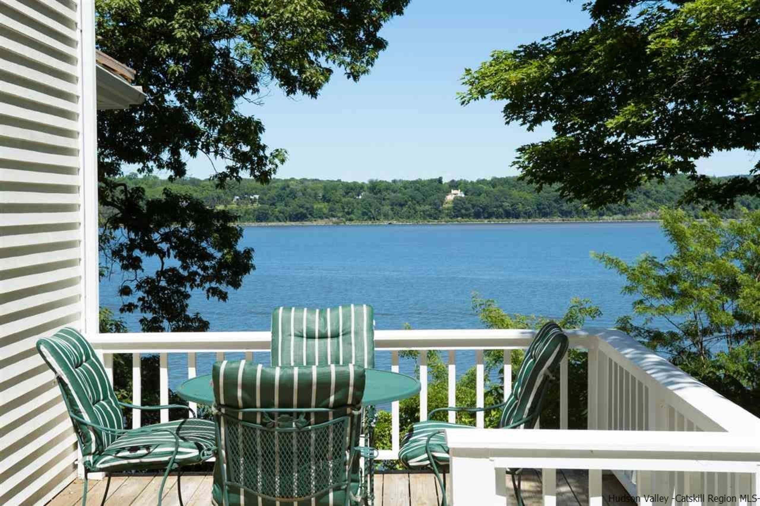 Riverfront property on the Hudson with boat access - CLICK FOR MORE