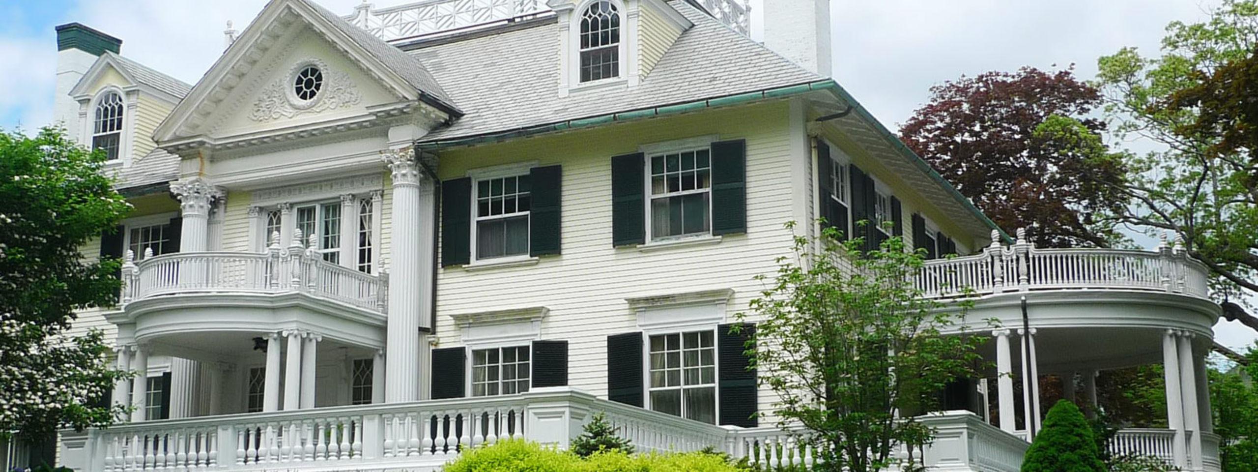 Historic beauties grace several inner loop nieghborhoods