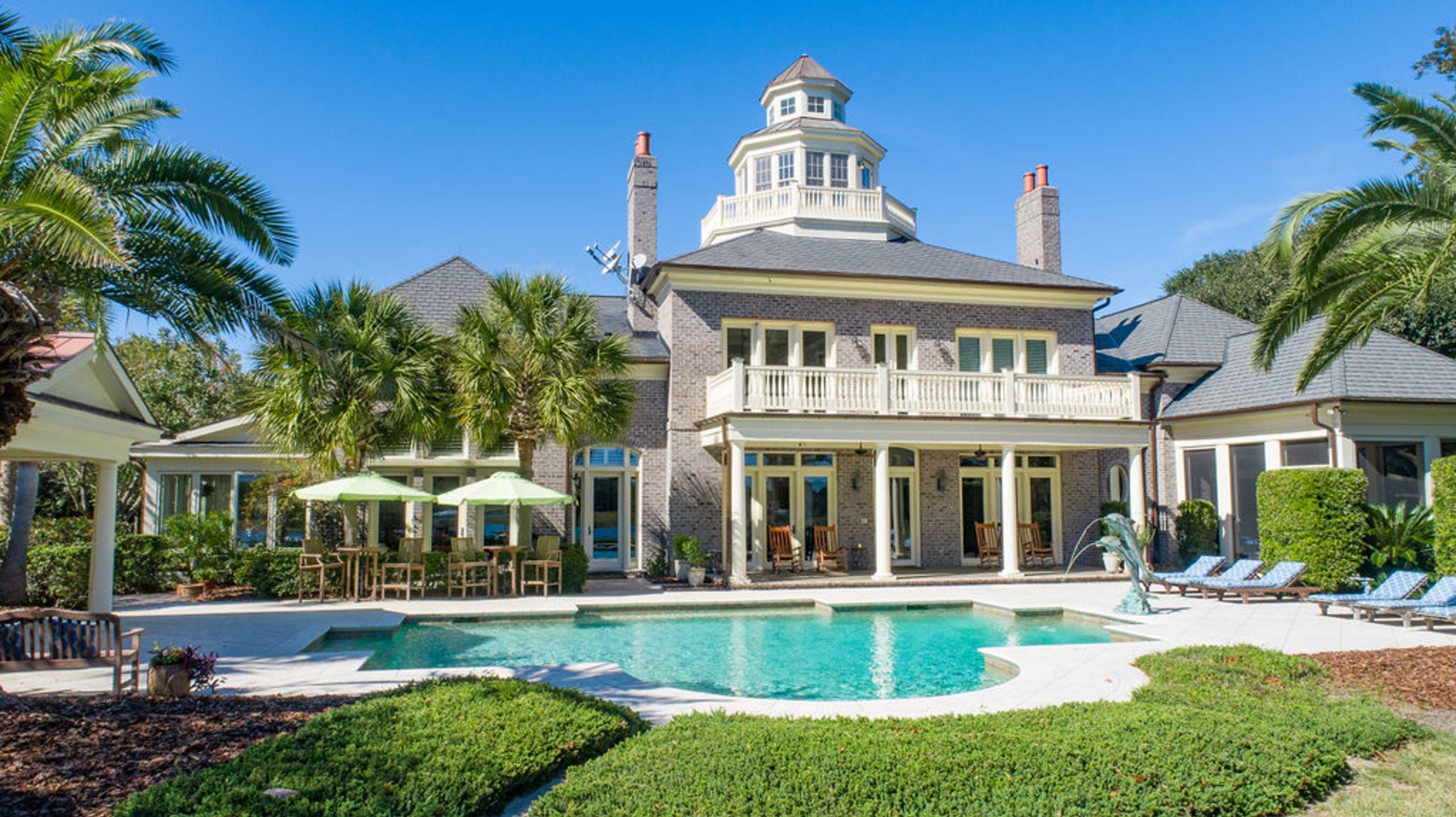 Island Life Homes