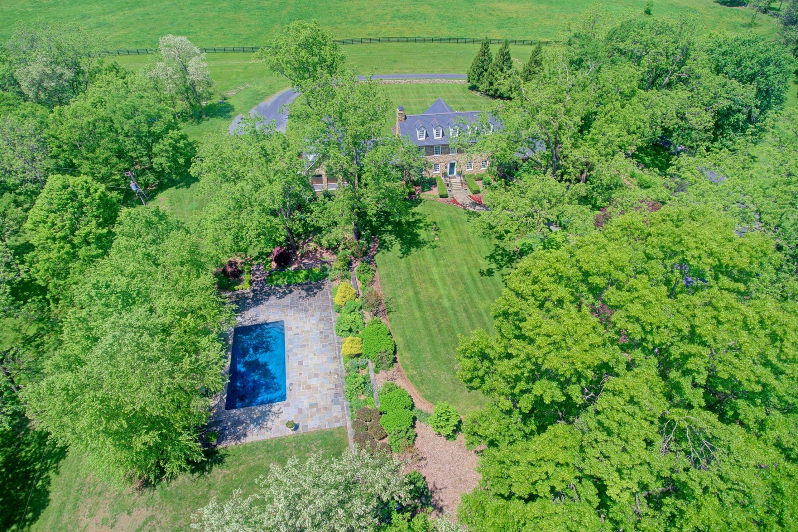 1890's Colonial Manor House on 94 acres, Middleburg, Virginia