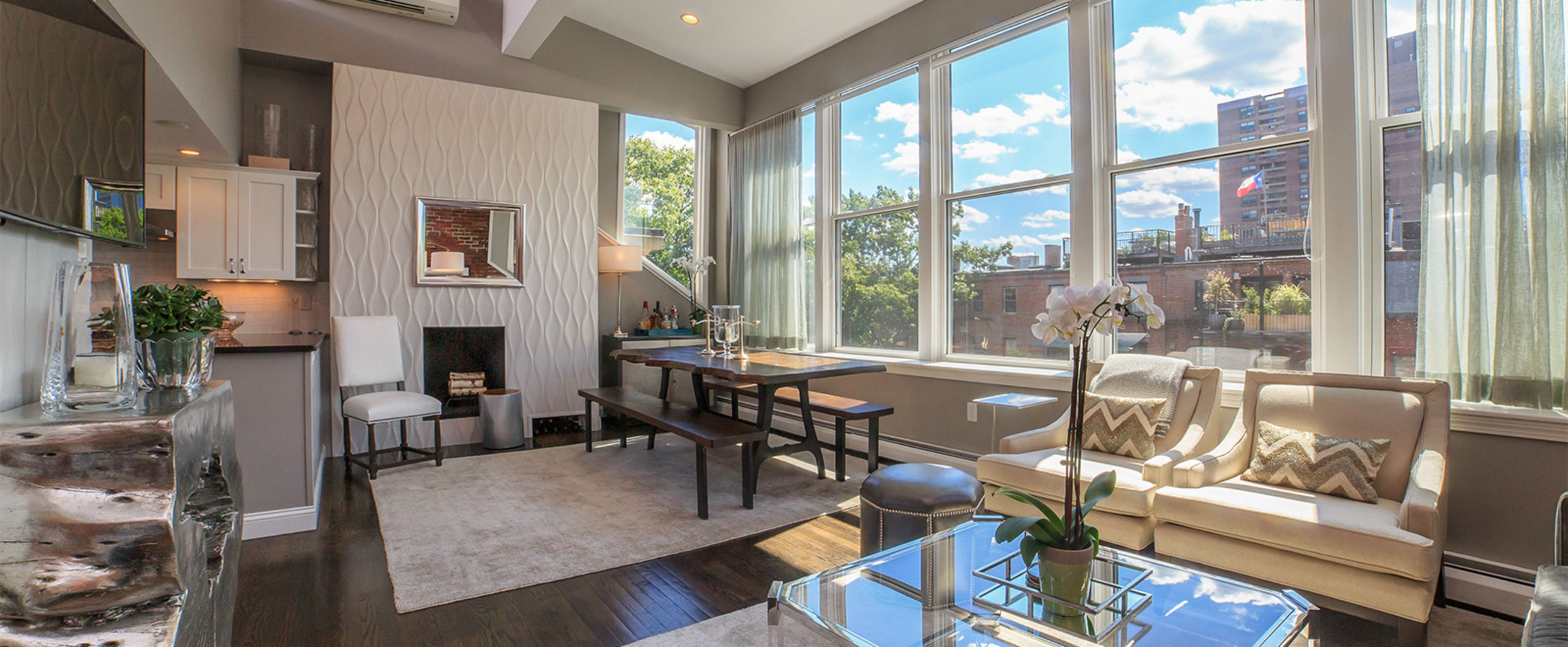 Picture Perfect Penthouse on Union Park
