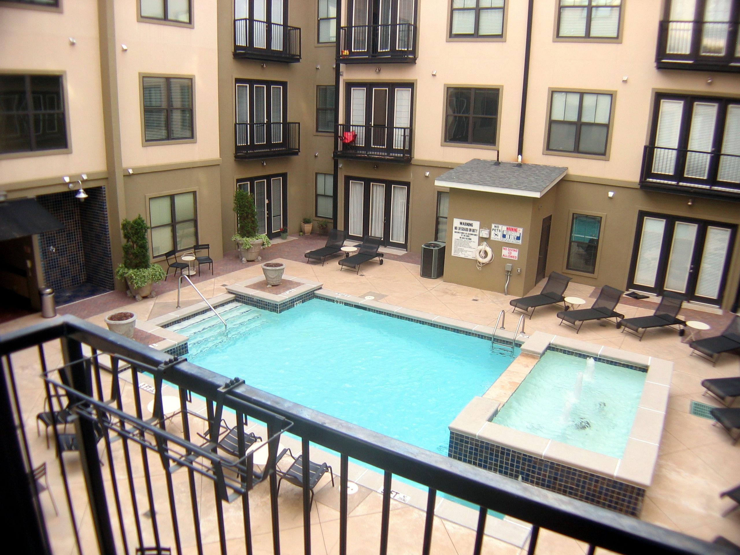 A nice pool view!