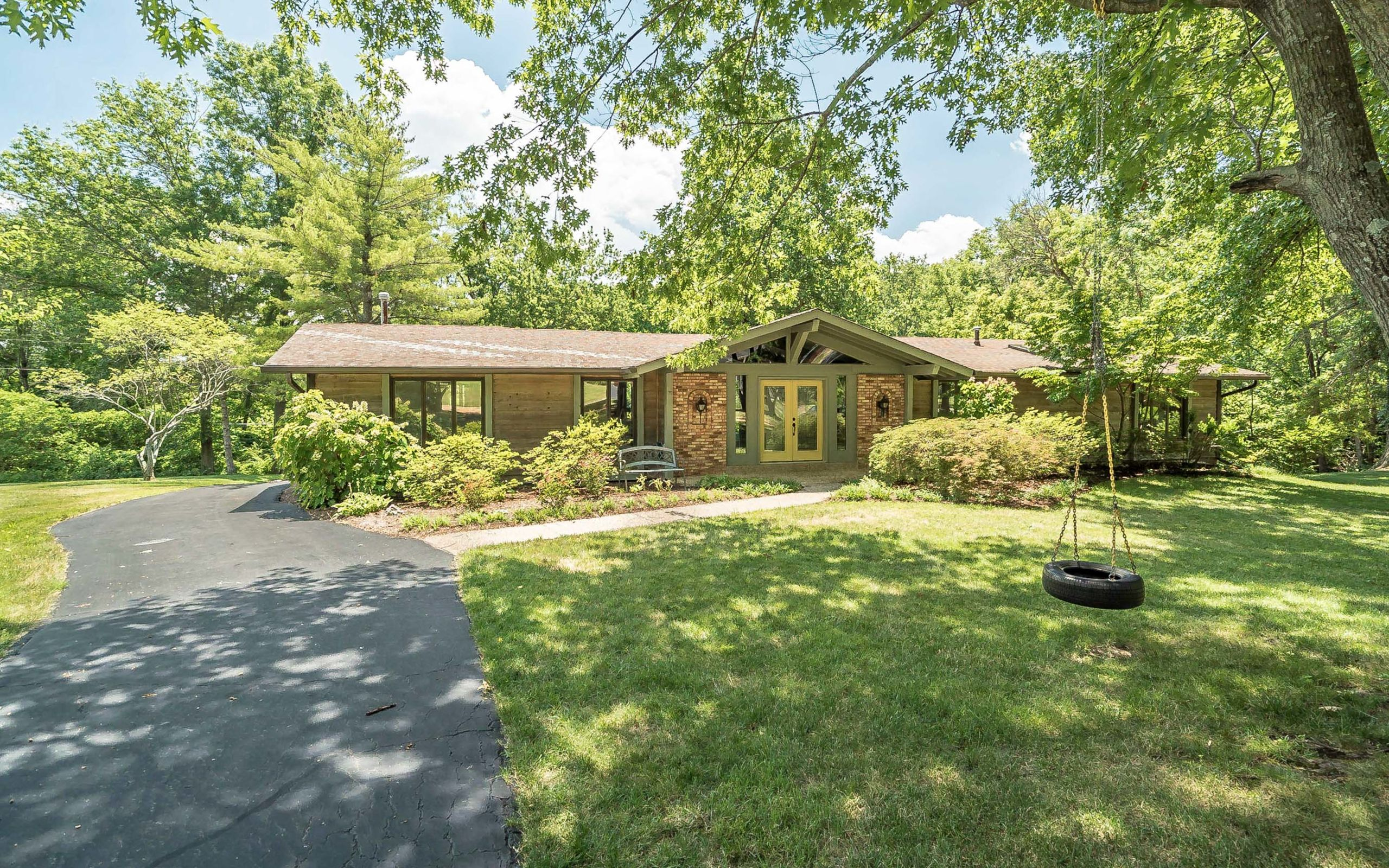 A sprawling Chesterfield ranch on 3/4 acre