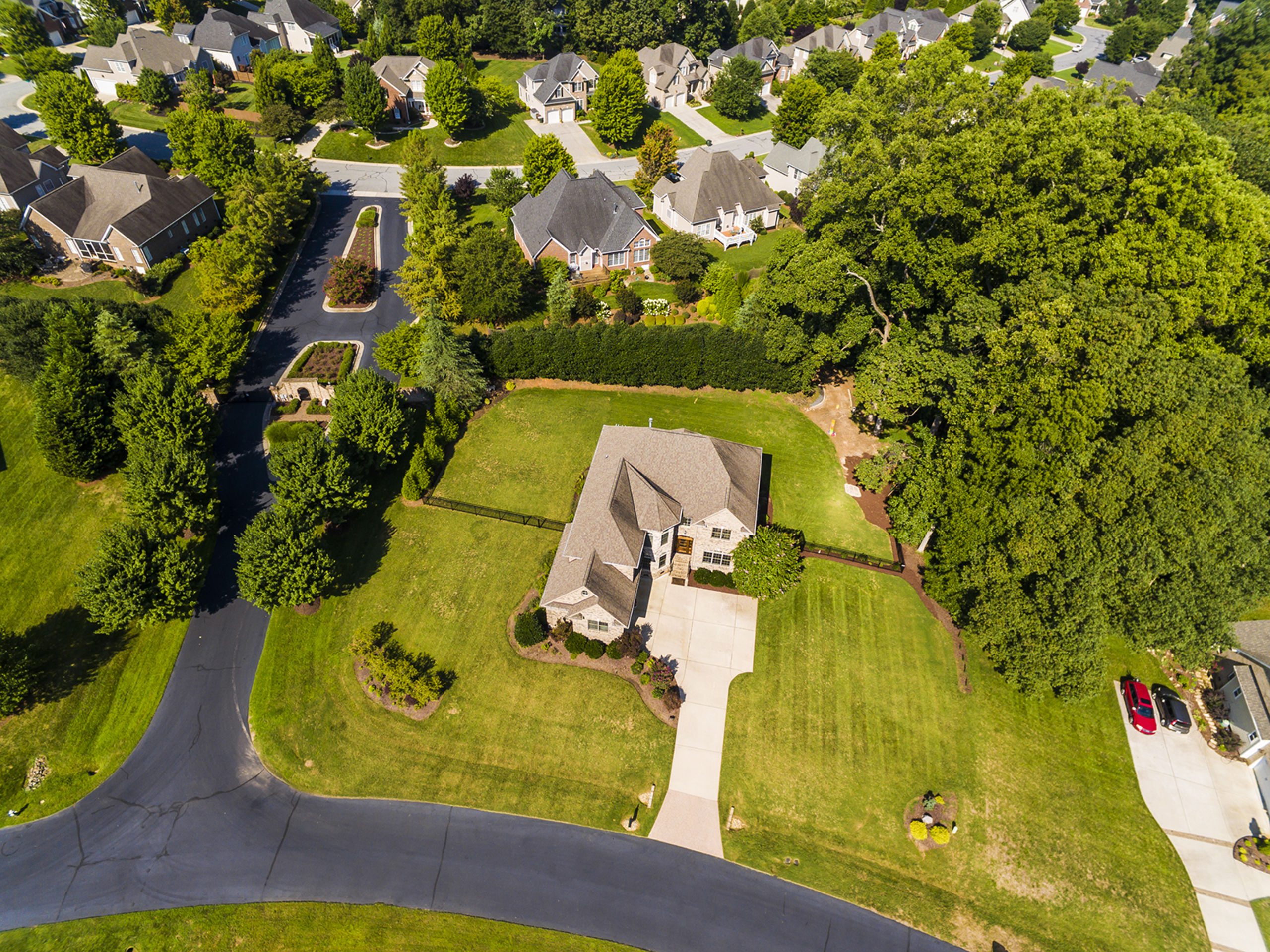 Offering aerial photography for your home's listing, you only have one chance to make a great first impression.