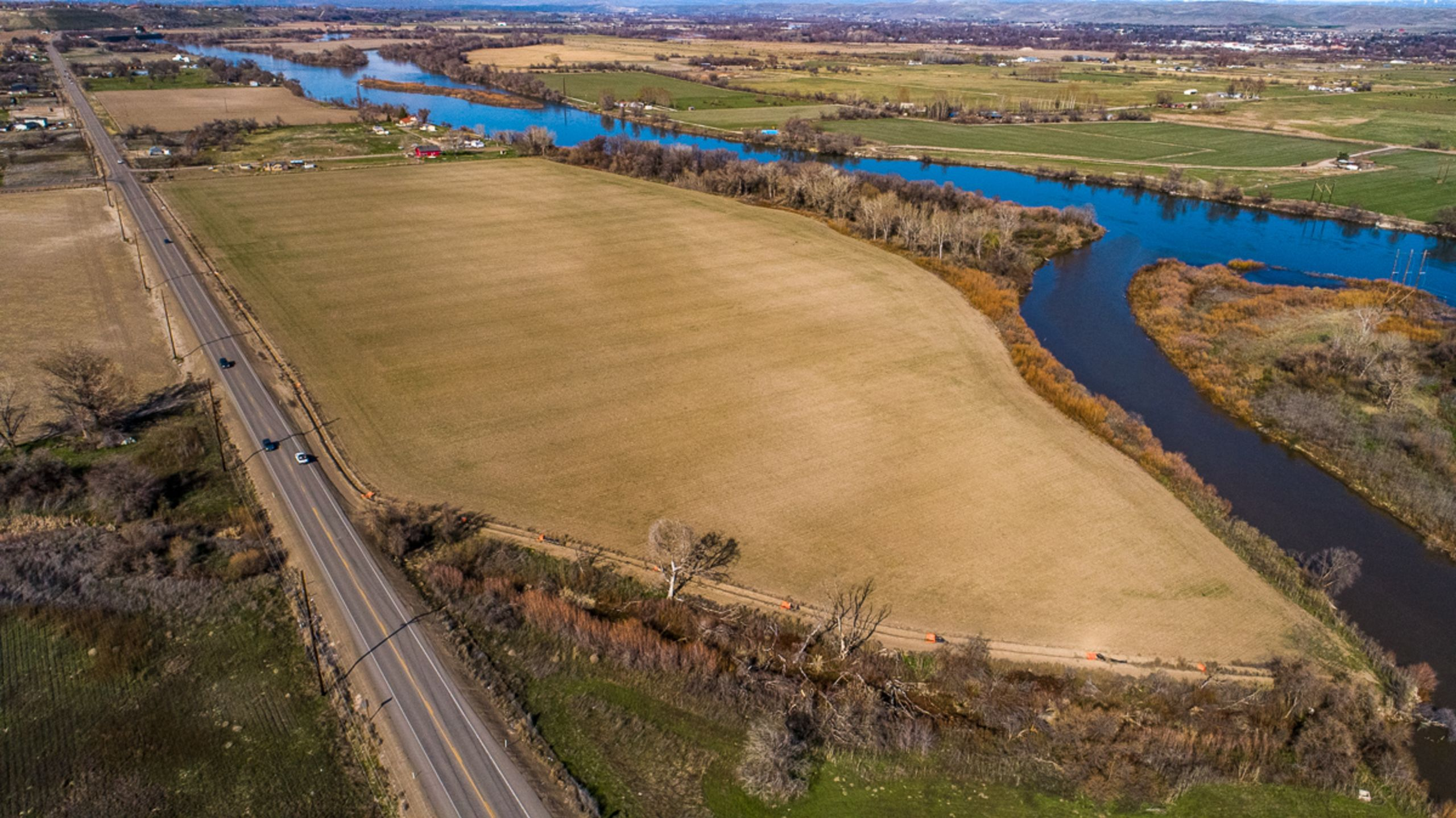 39 Acres on the river