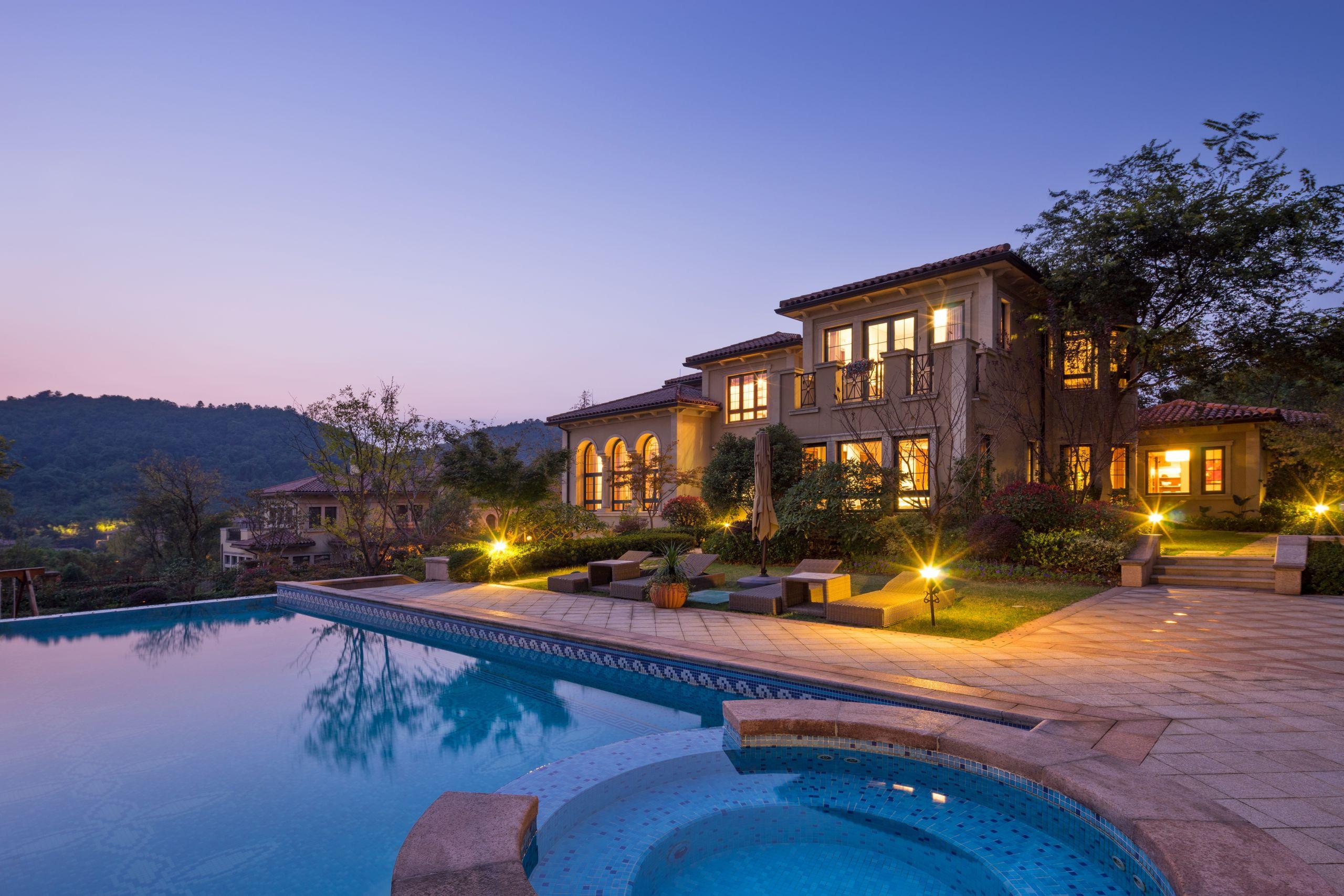 Custom View Homes