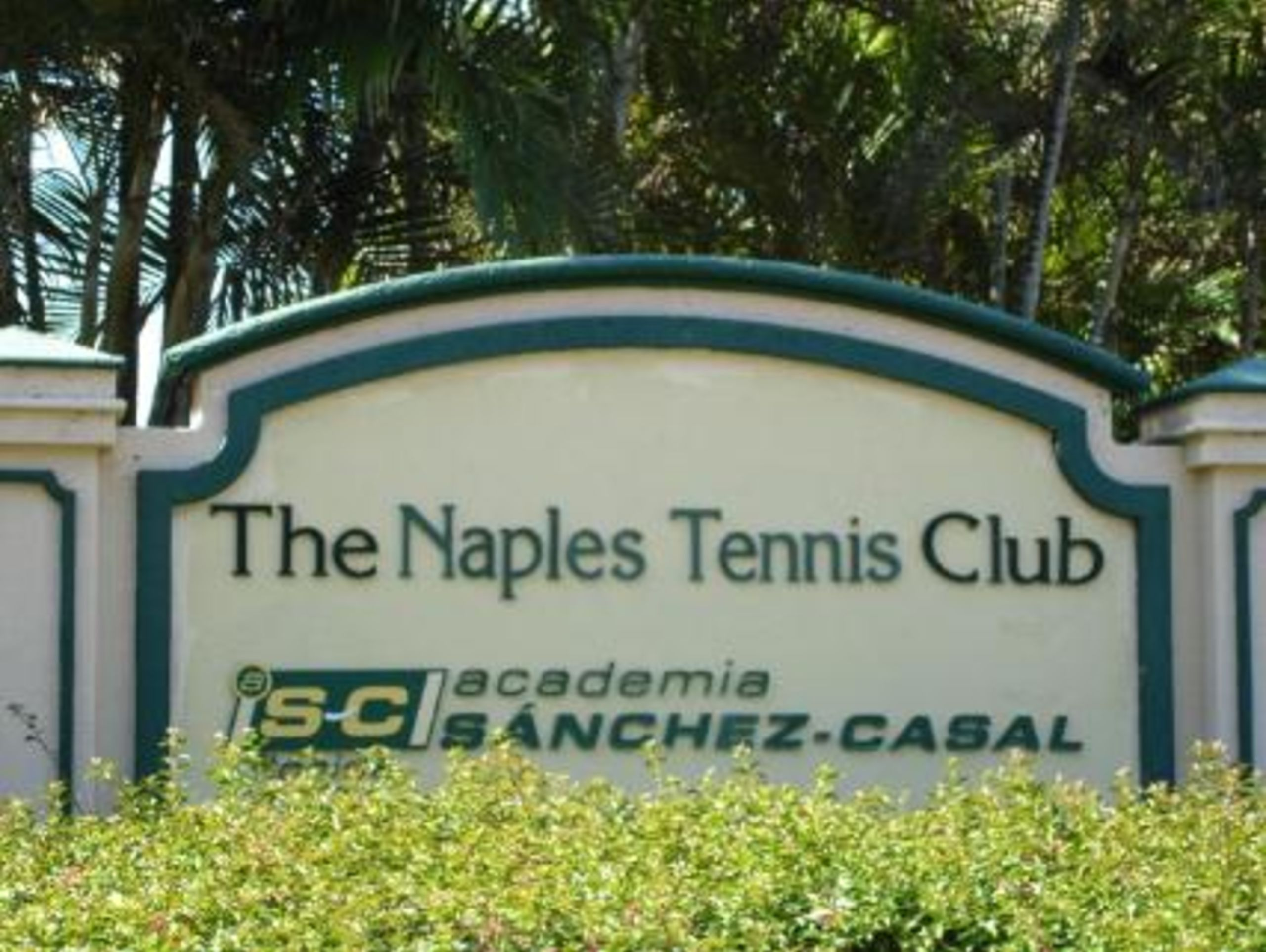Welcome to Naples Bath and Tennis Club!