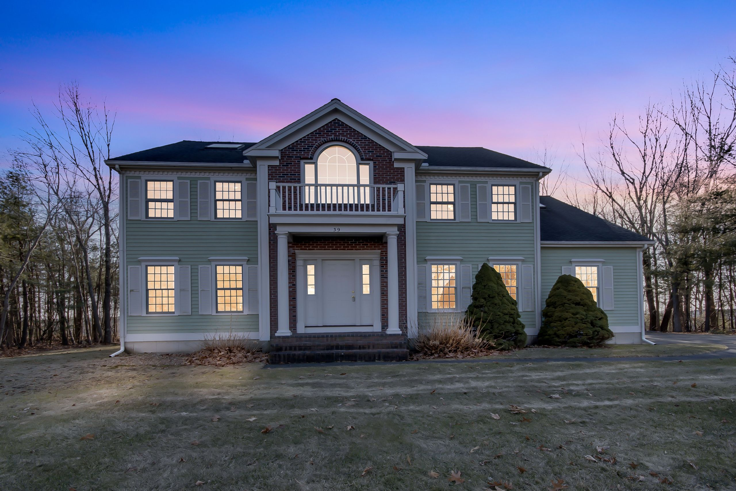 Spectacular Hitchin' Post Greens Home in Westford