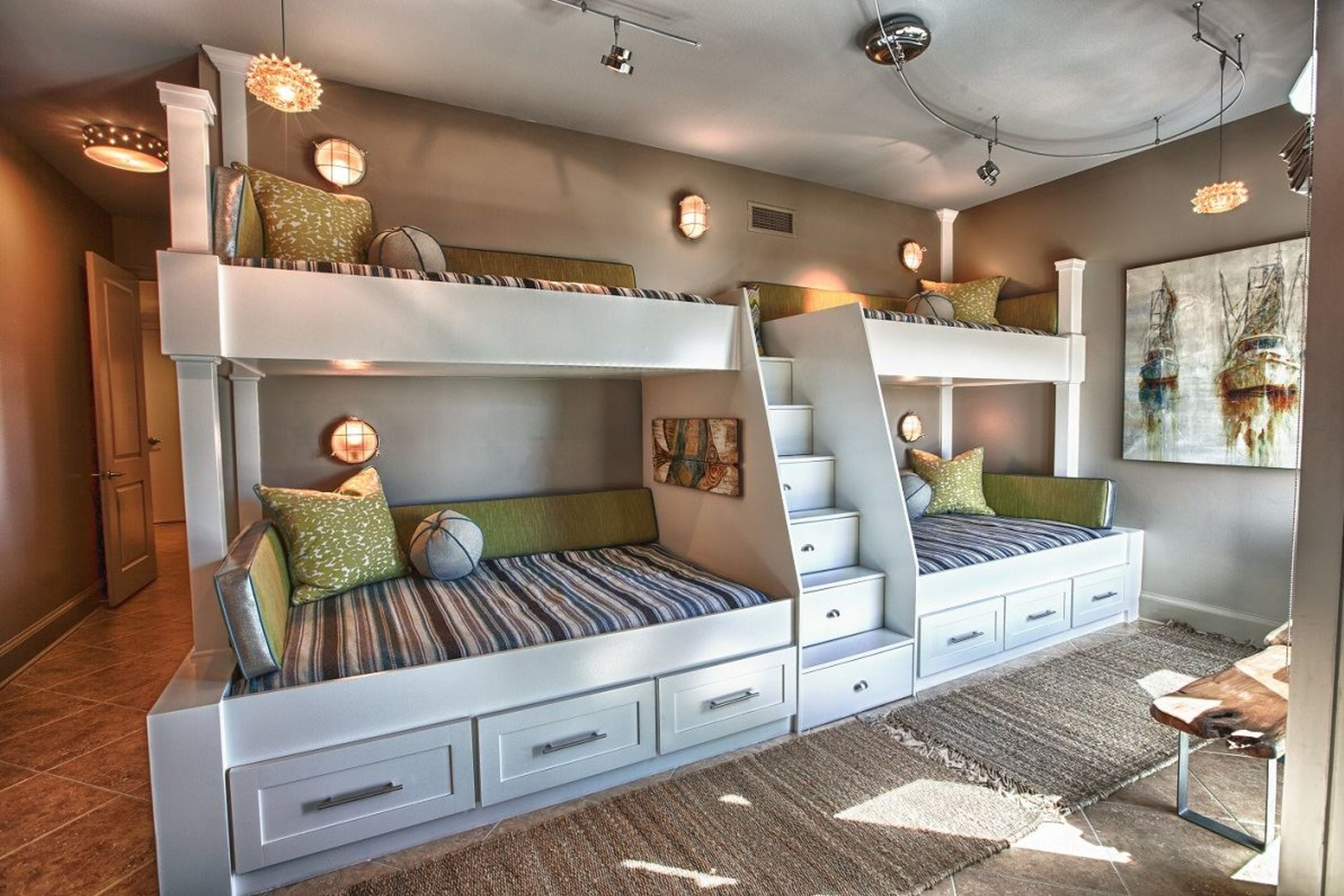 Would you like a guest bedroom like this?