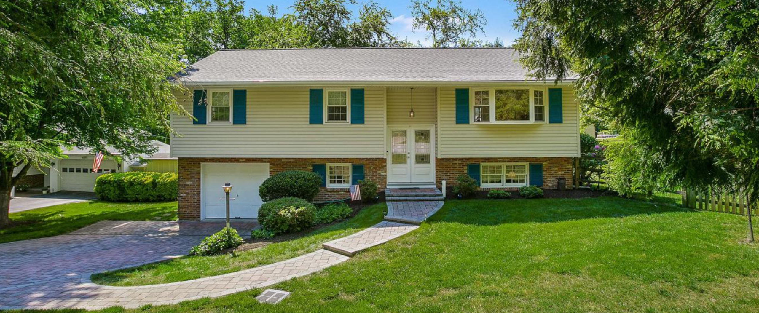121 Roads End Lane - Under Contract