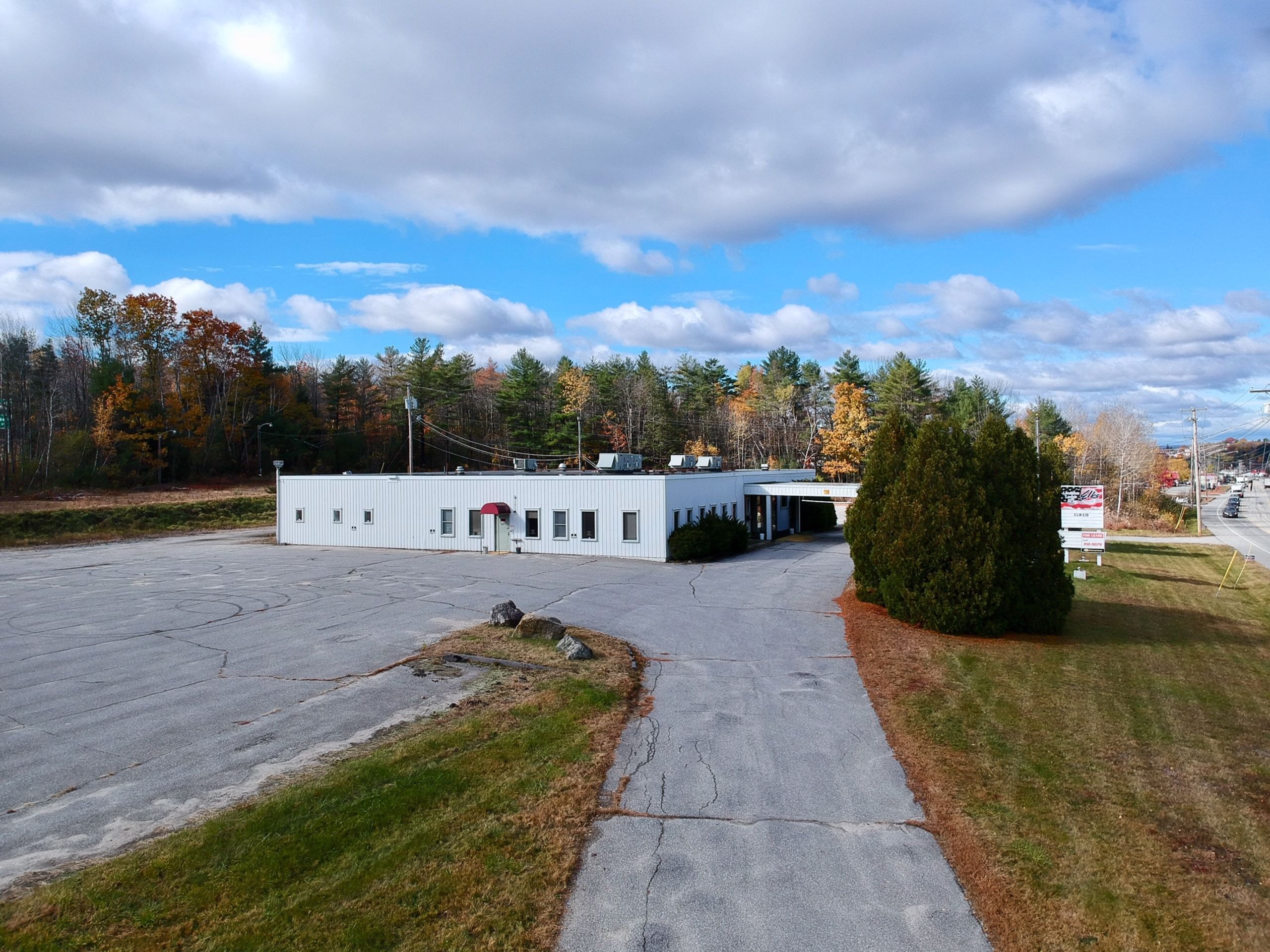 Great Commercial Space for Sale or Lease Located at 1675 Lisbon Street L