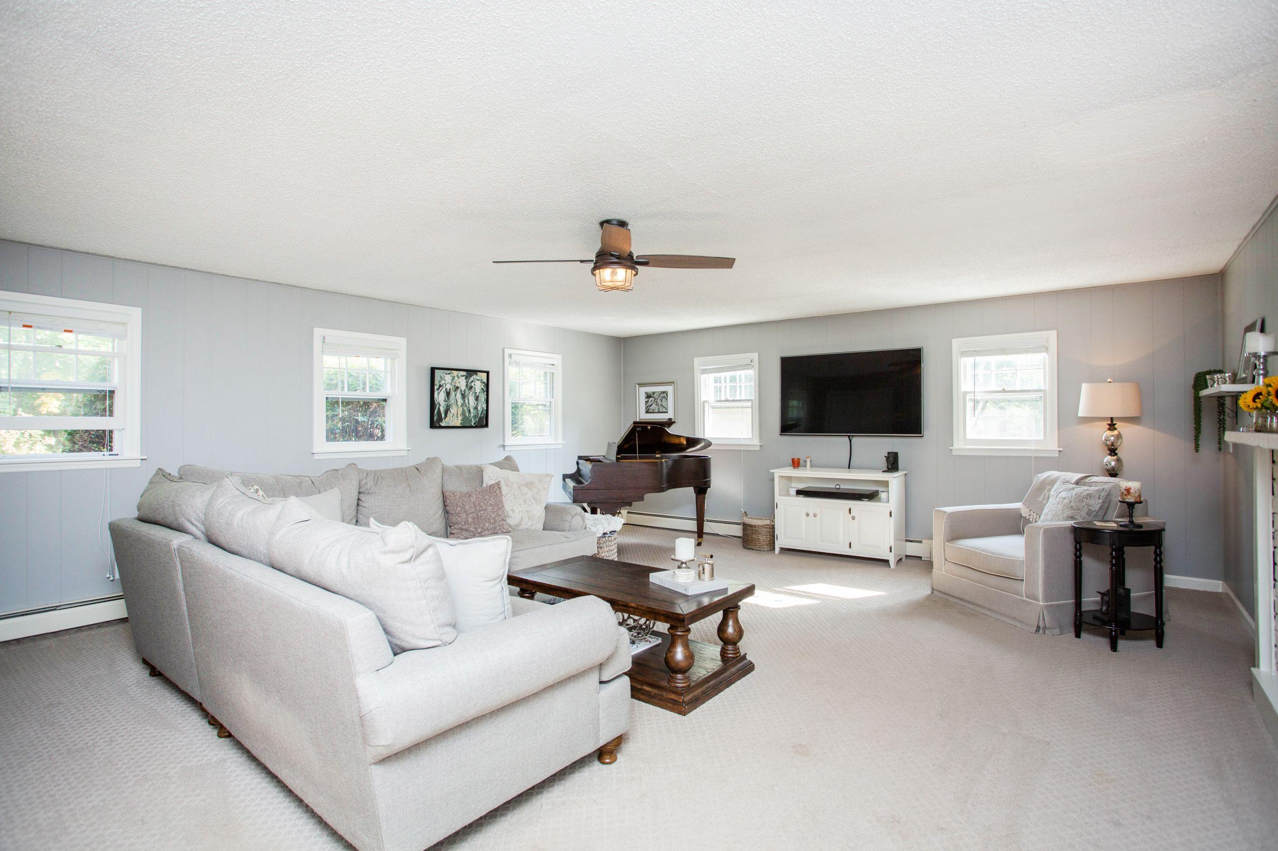 310 Daniels Rd, Saratoga Springs, New York