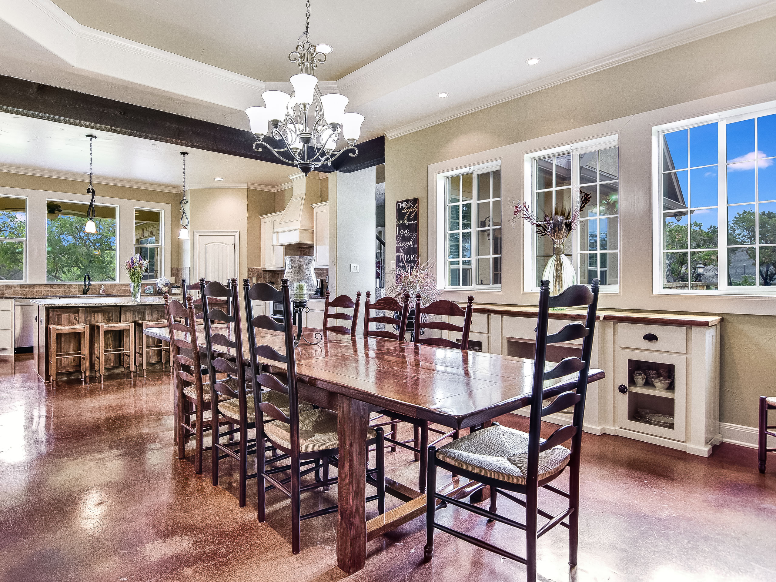 Perfect Dining for Casual Entertaining