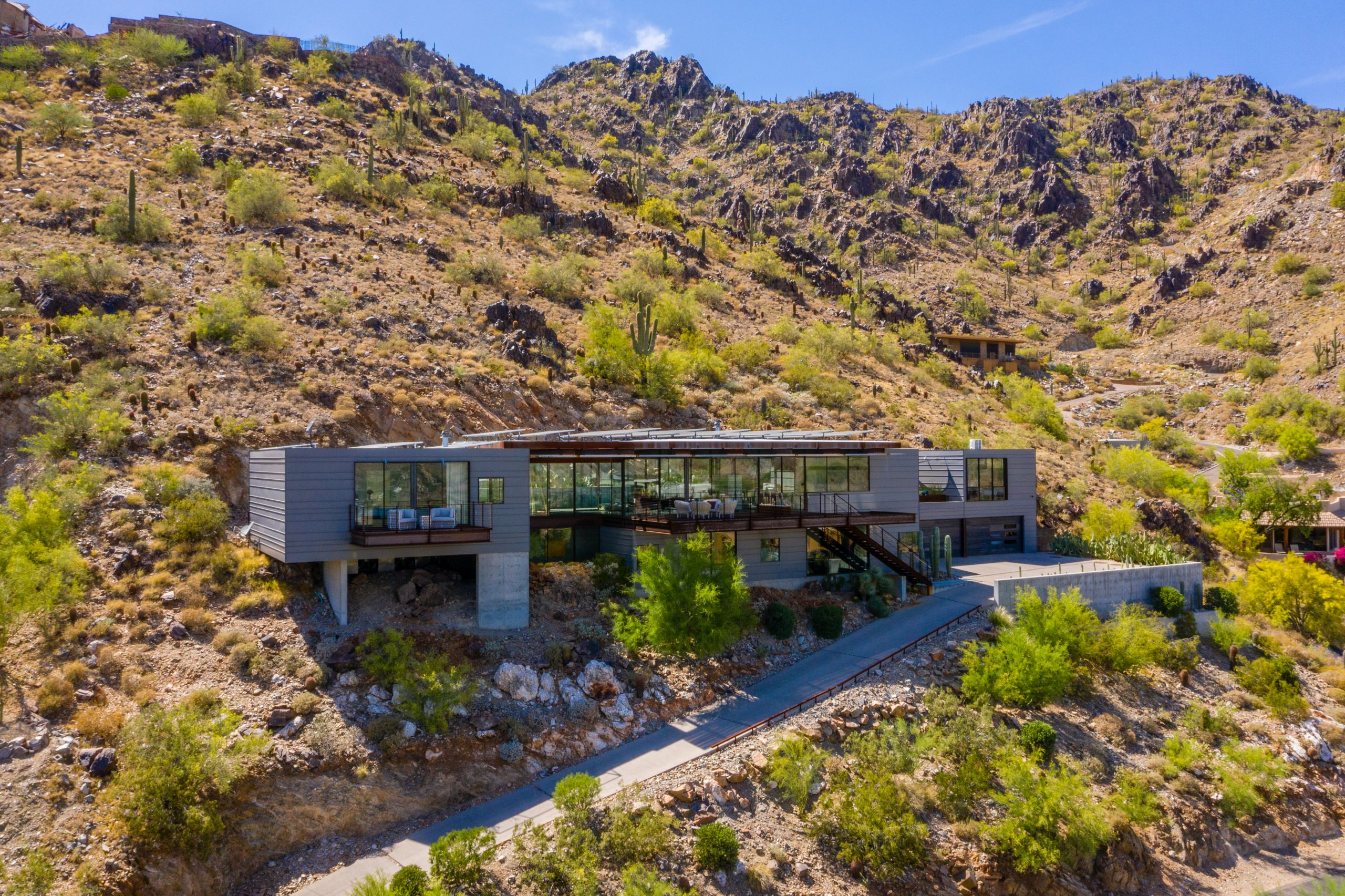 Paradise Valley, AZ - Home of Steel and Glass