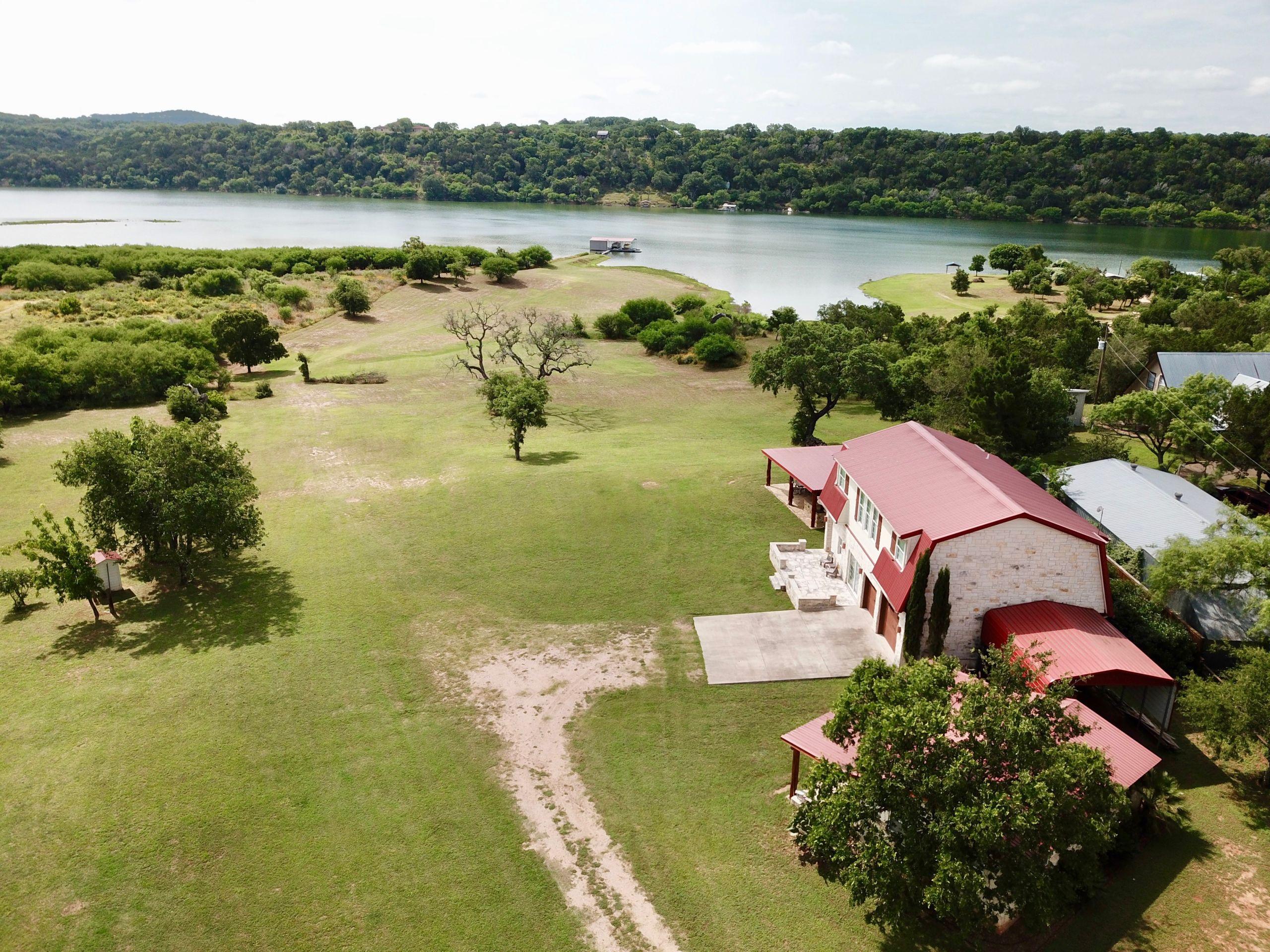 114 Double Oaks | Private Waterfront Acreage