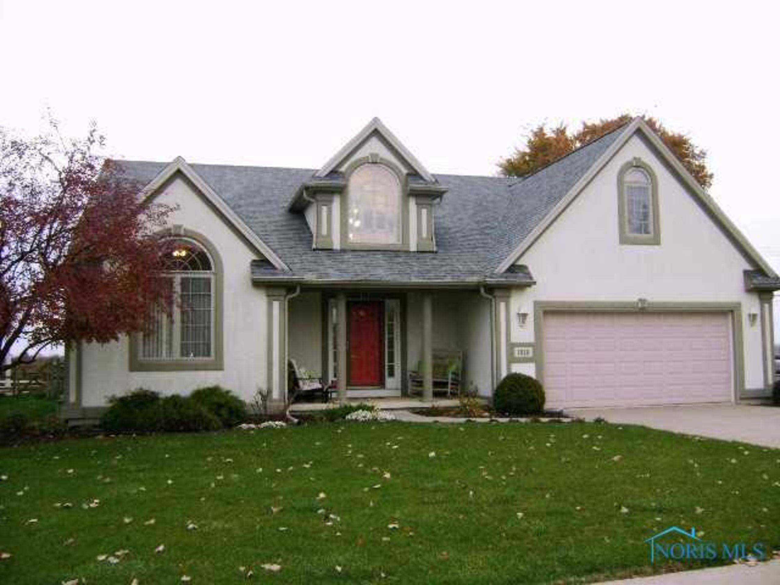 Featured Home! 7010 Twin Lakes Perrysburg Ohio 43551 List Price: $239,900
