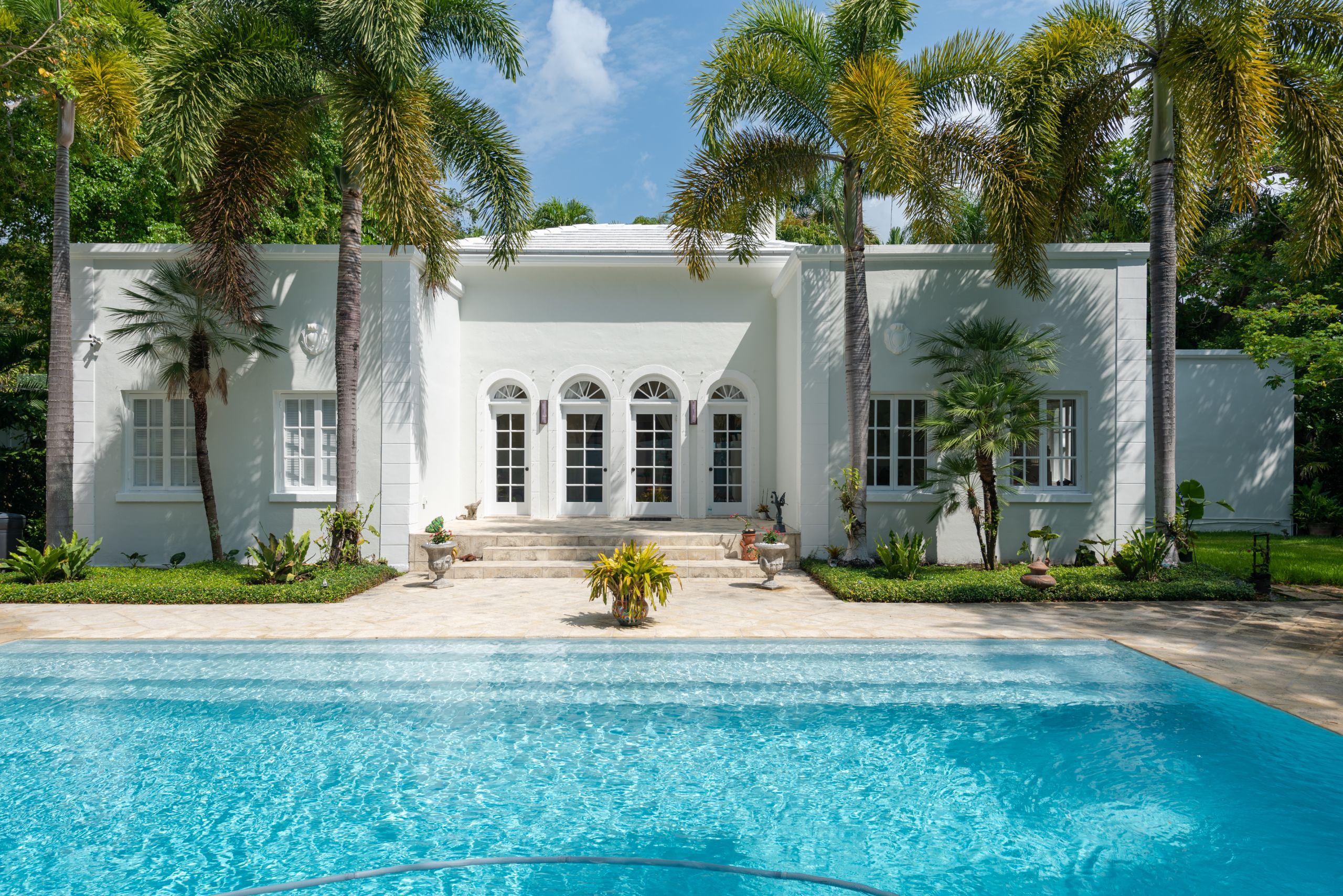 One of a Kind, beautiful House for sale in Miami's North Grove!